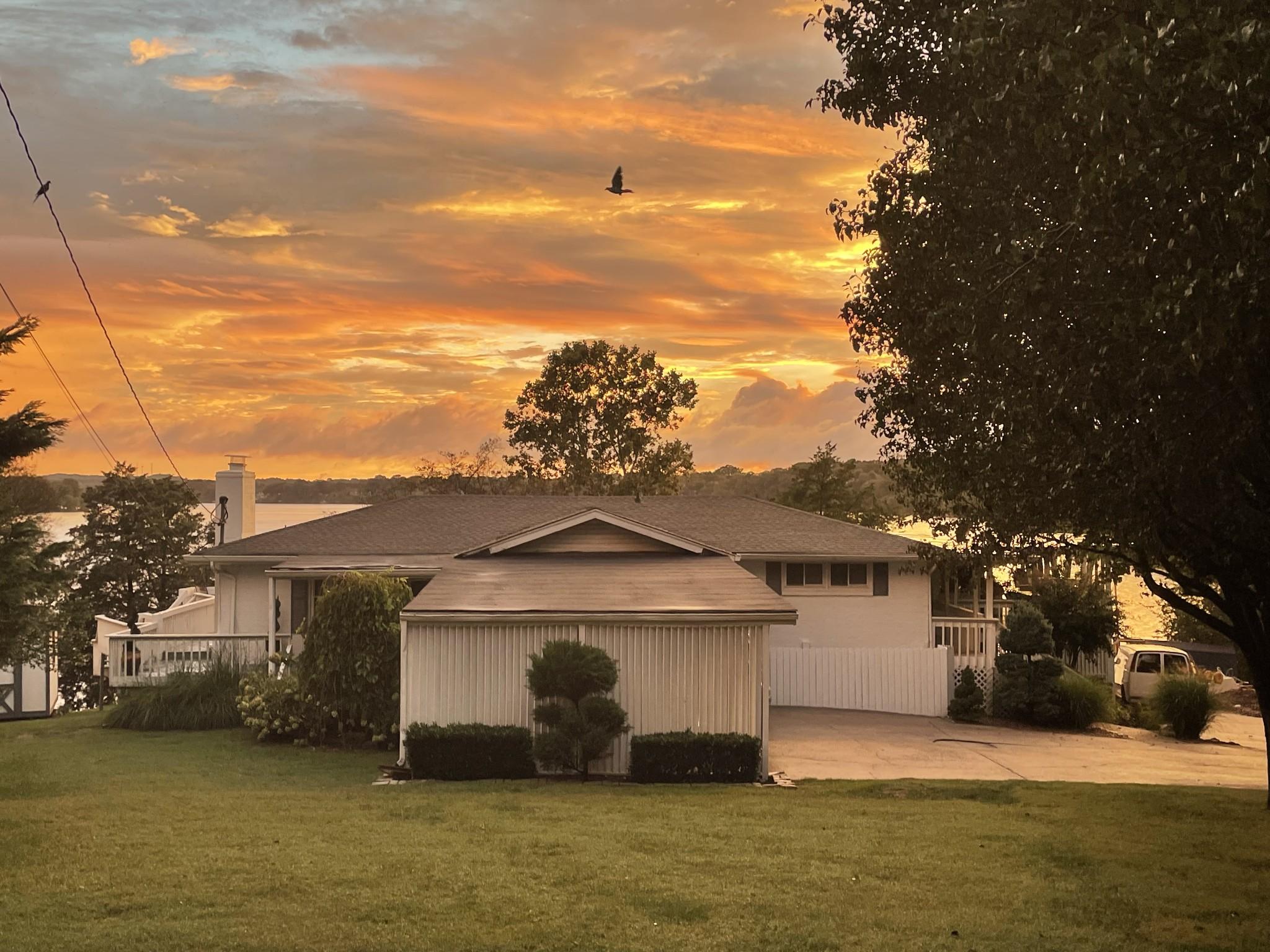 105 Shore Hill Cir Property Photo 1