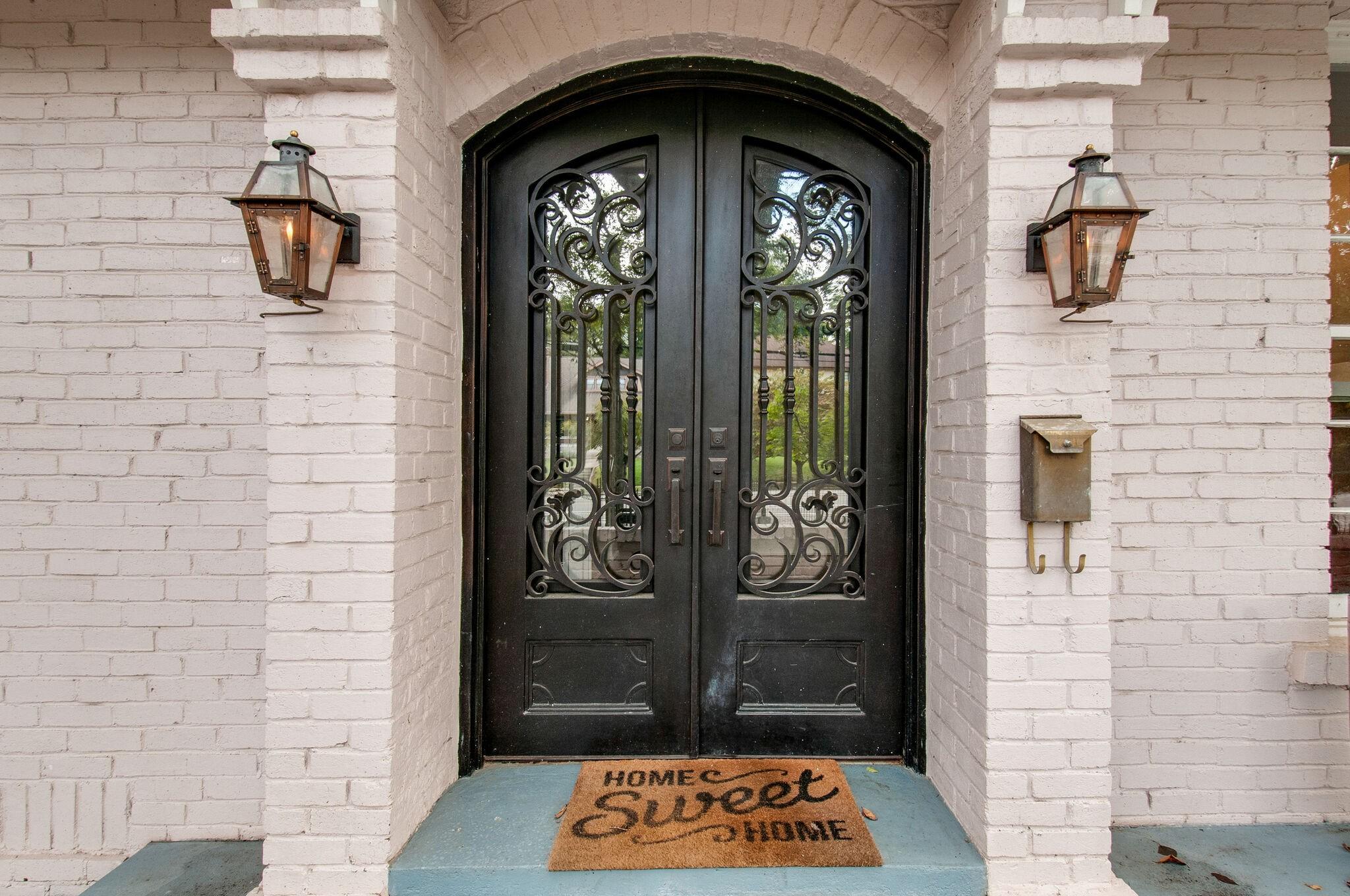 2214 Belmont Blvd Property Photo 6