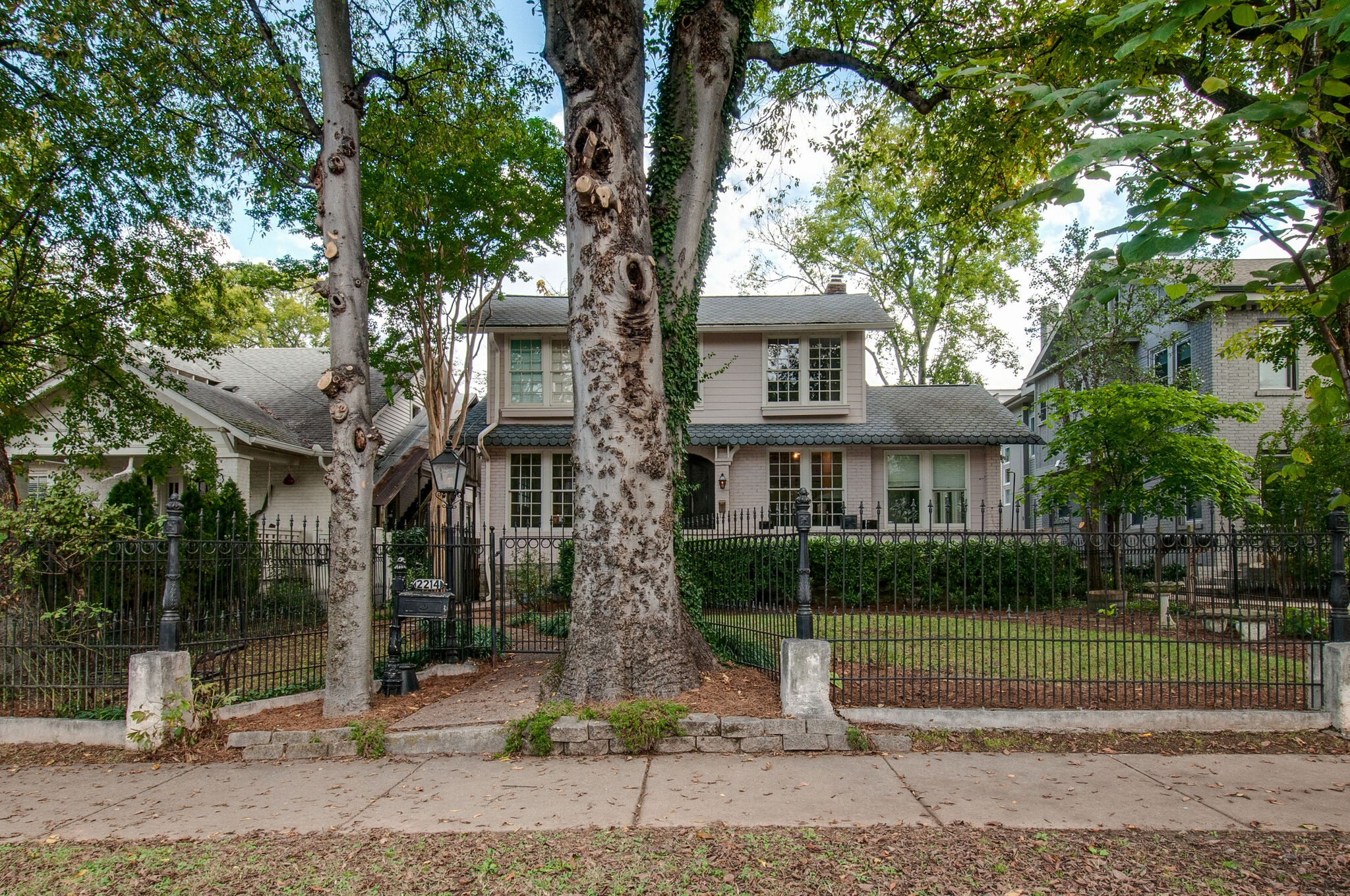2214 Belmont Blvd Property Photo