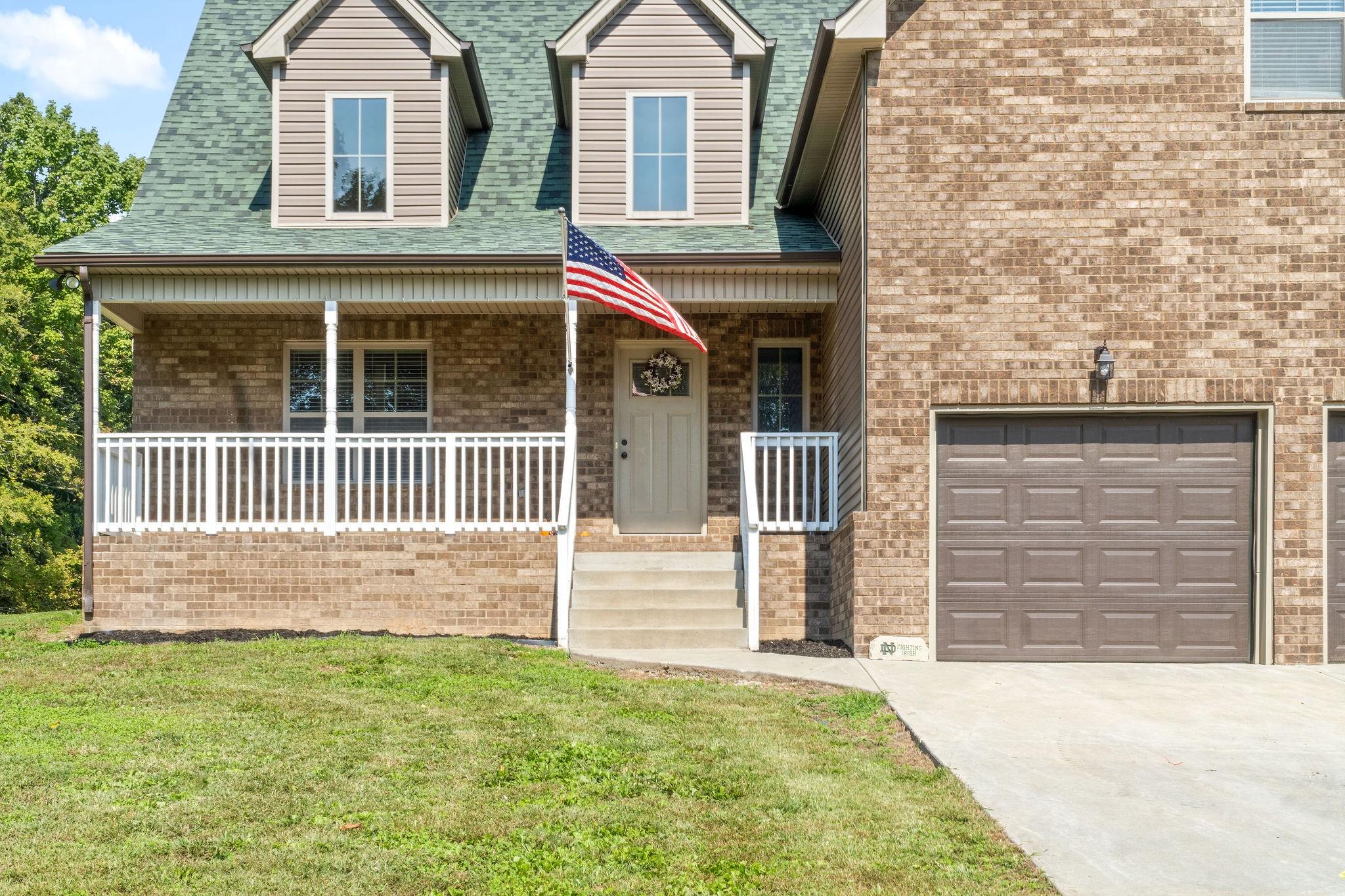 709 Green Ln Property Photo