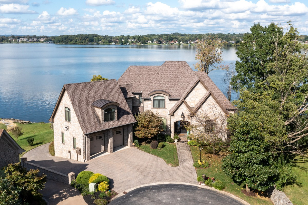 721 Lakeshore Pt Property Photo