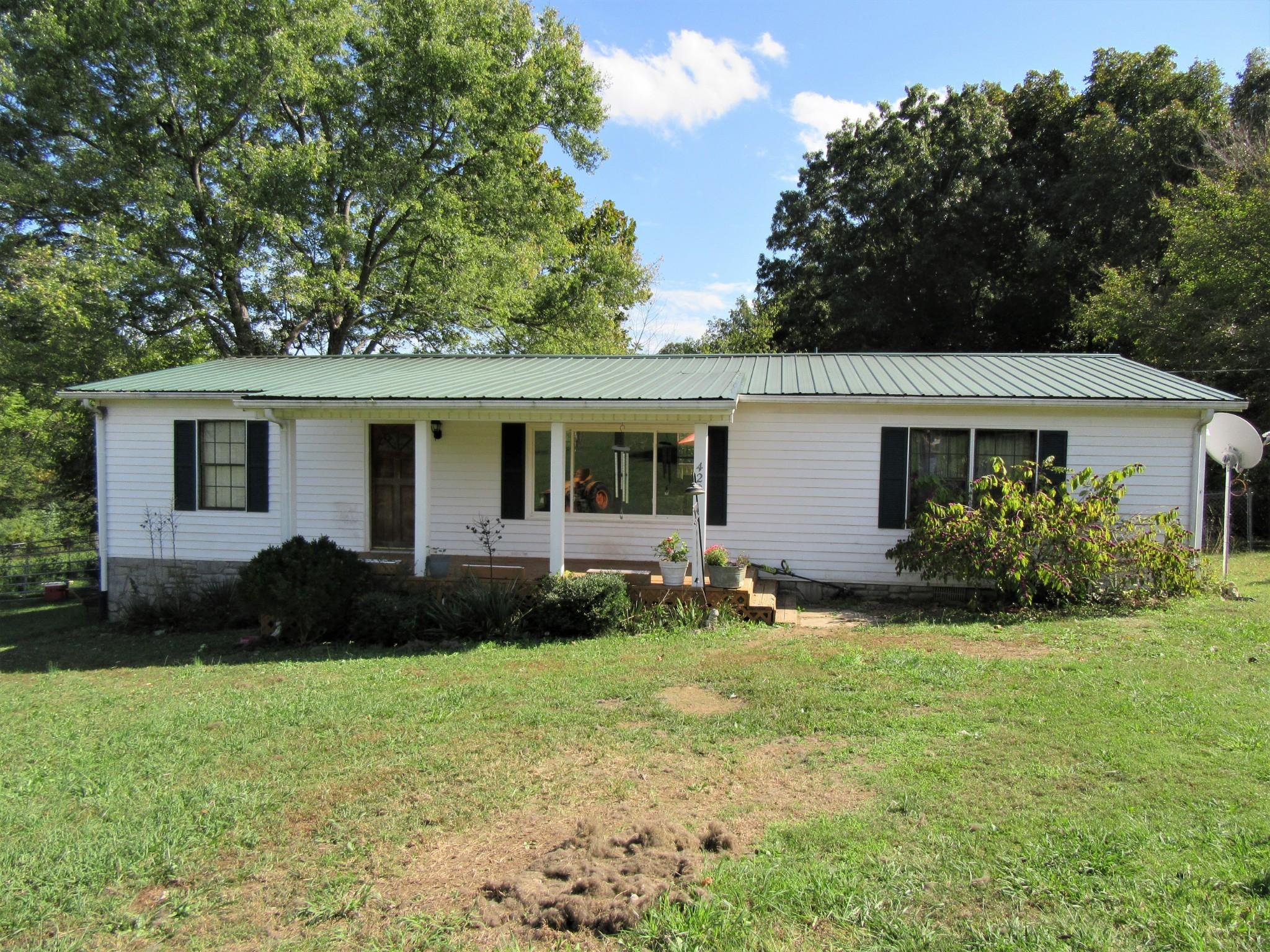 898 Browning Ln Property Photo