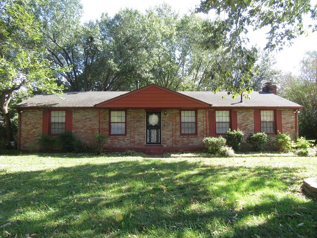 108 Chestnut Dr Property Photo
