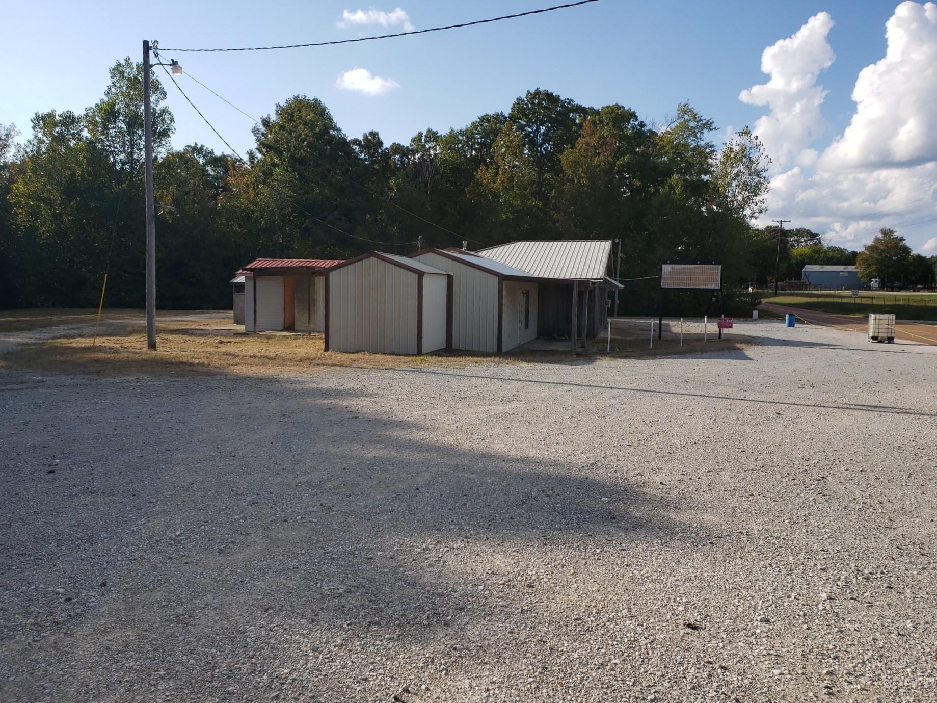 10715 Highway 192 Property Photo