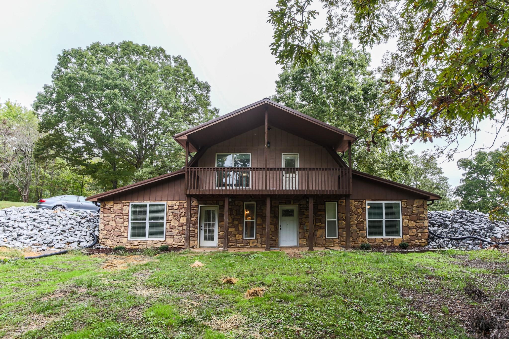 76 Lakeview Ln Property Photo
