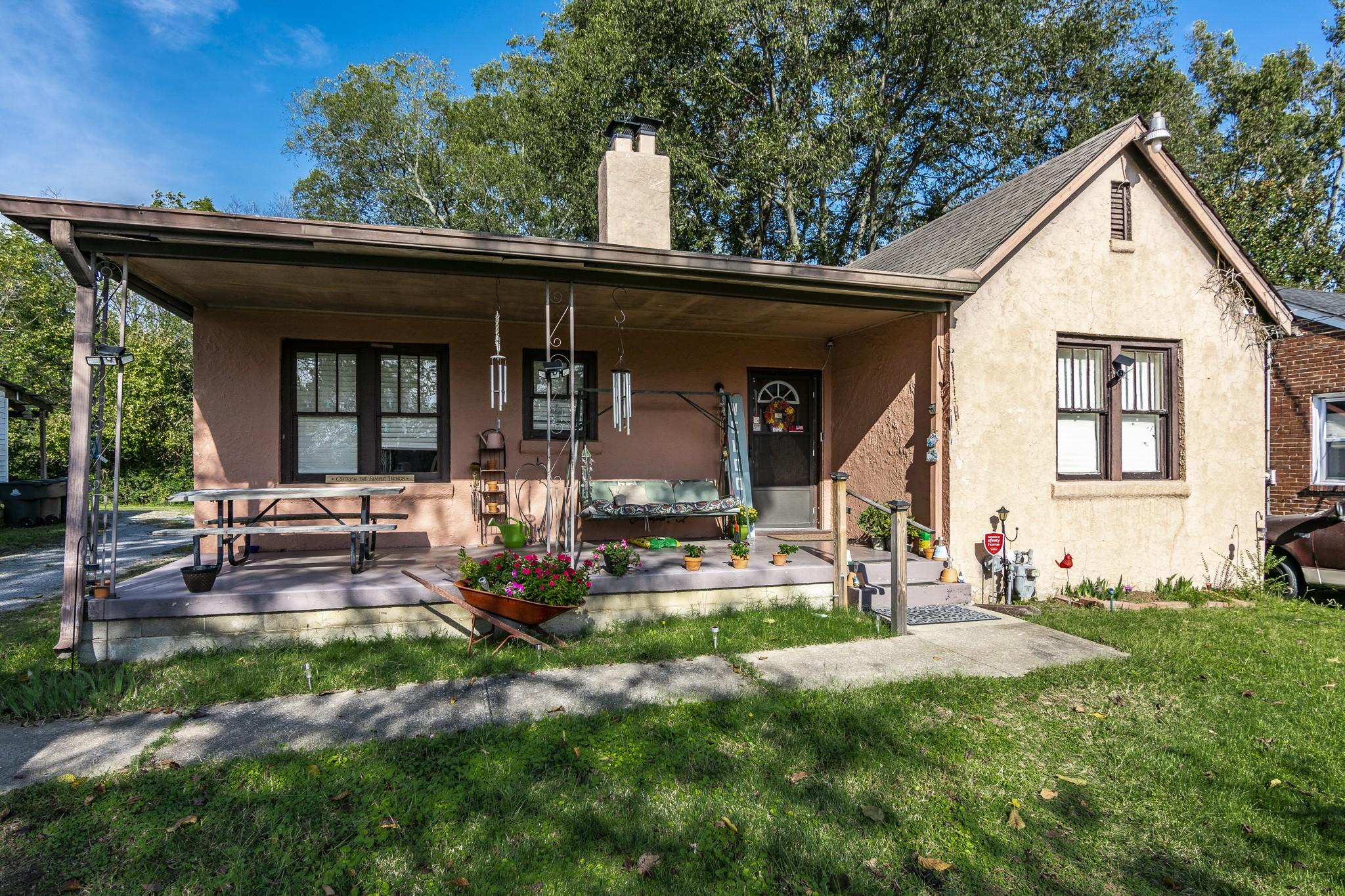 3725 Hilltop Ln Property Photo