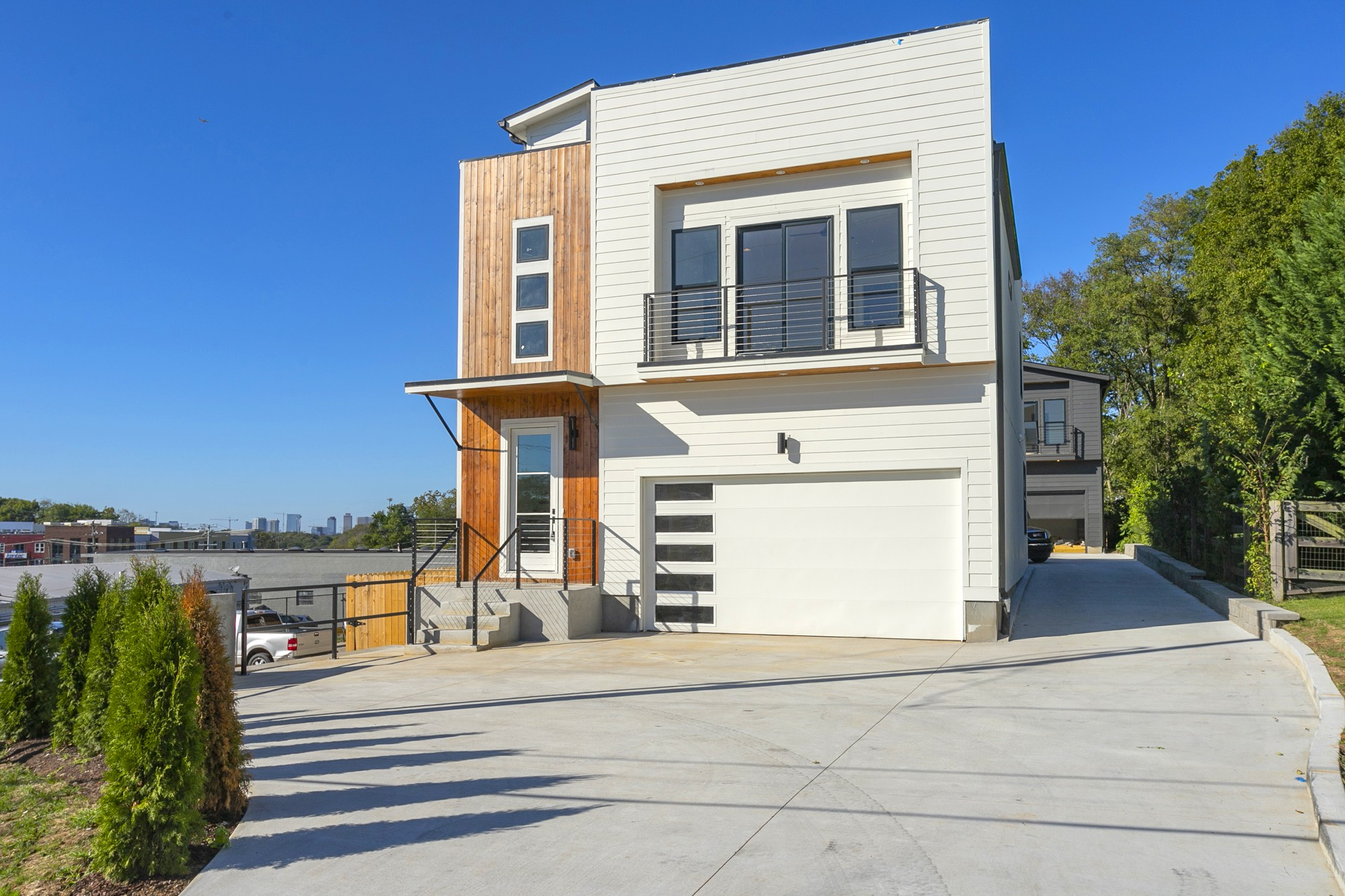 335 Vivelle Ave Property Photo