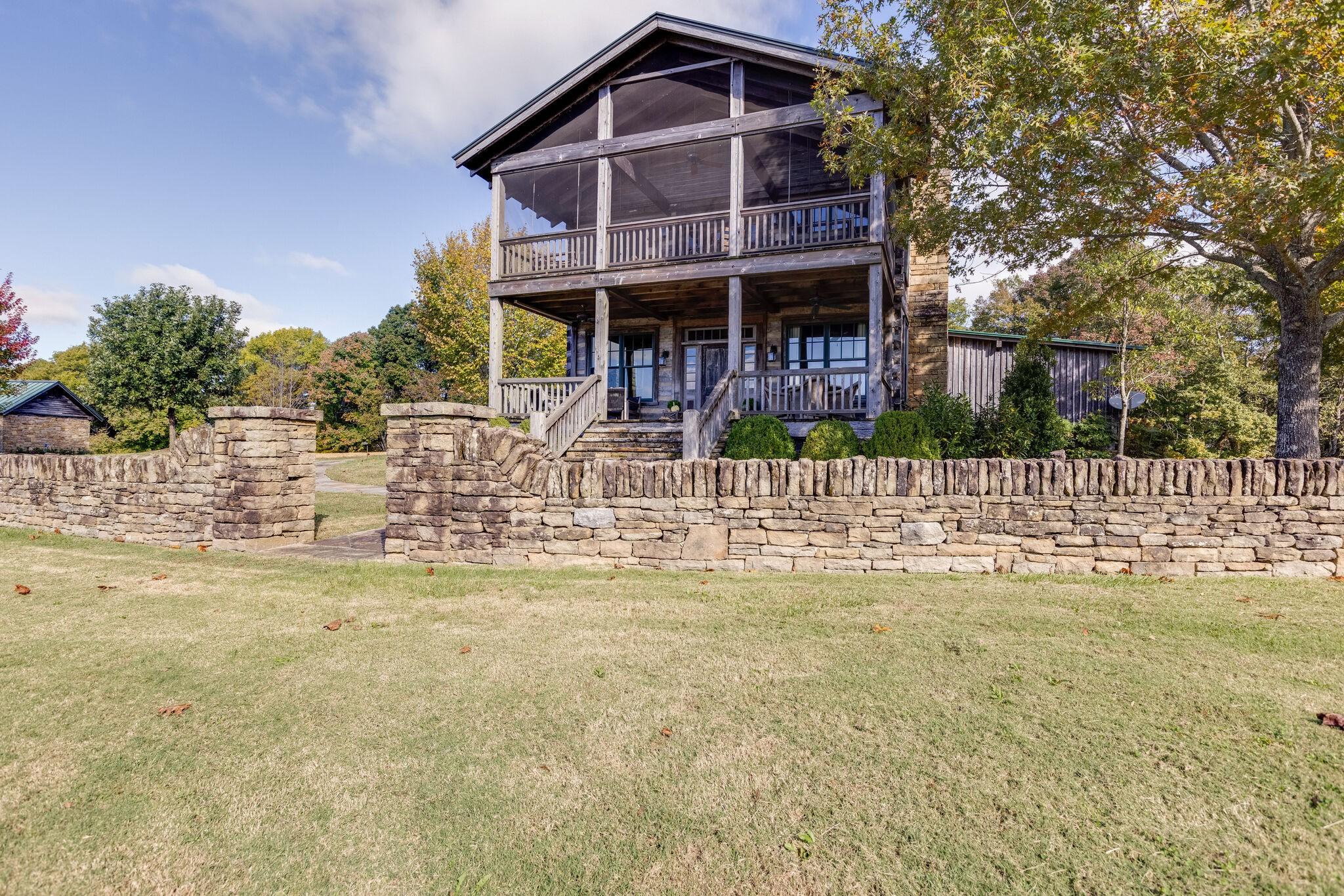 38472 Real Estate Listings Main Image