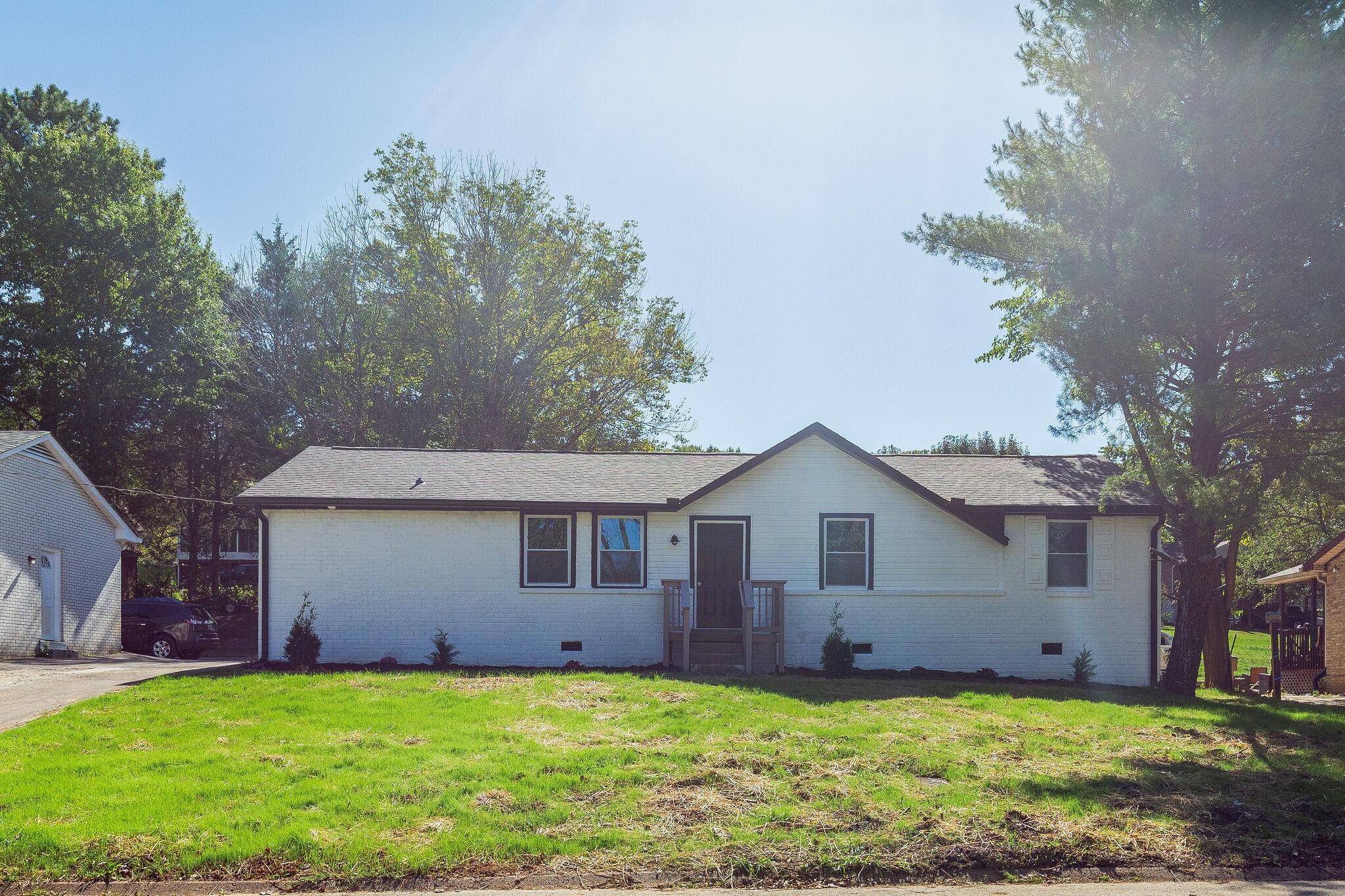 75 Benzing Rd Property Photo