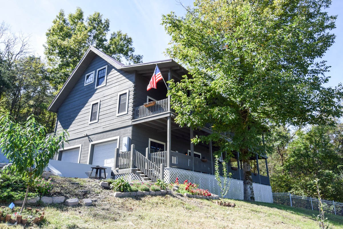 37018 Real Estate Listings Main Image