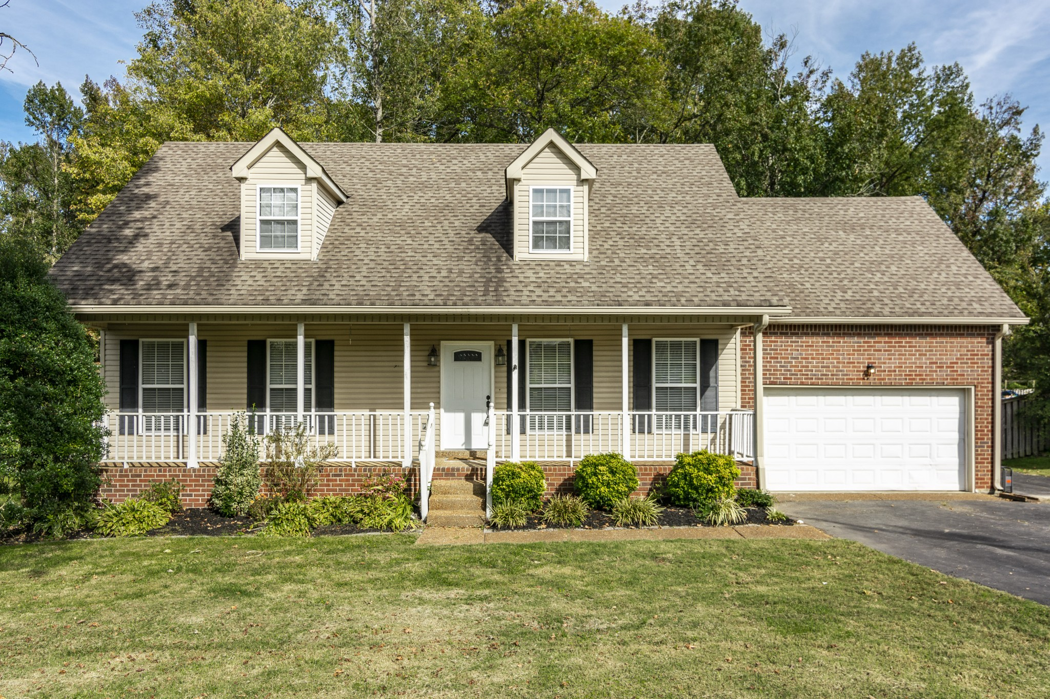 37188 Real Estate Listings Main Image