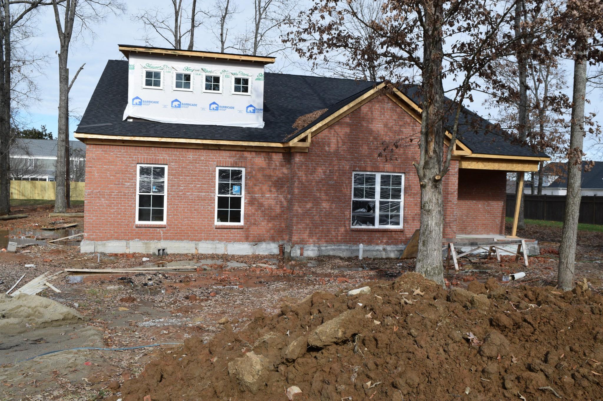 654 Lexington Cir Property Photo 1