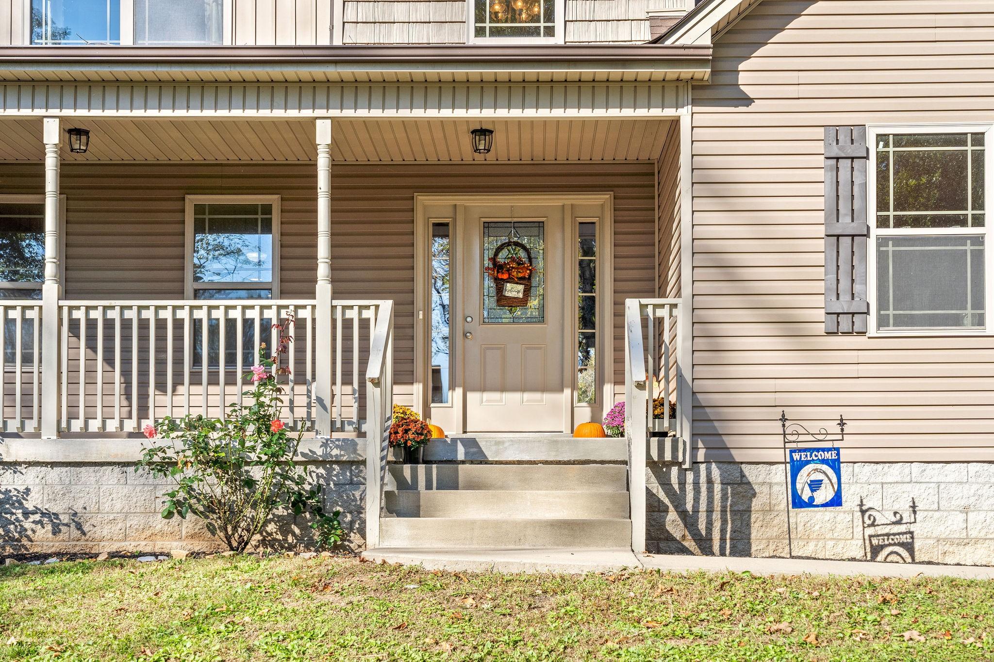 697 Green Ln Property Photo