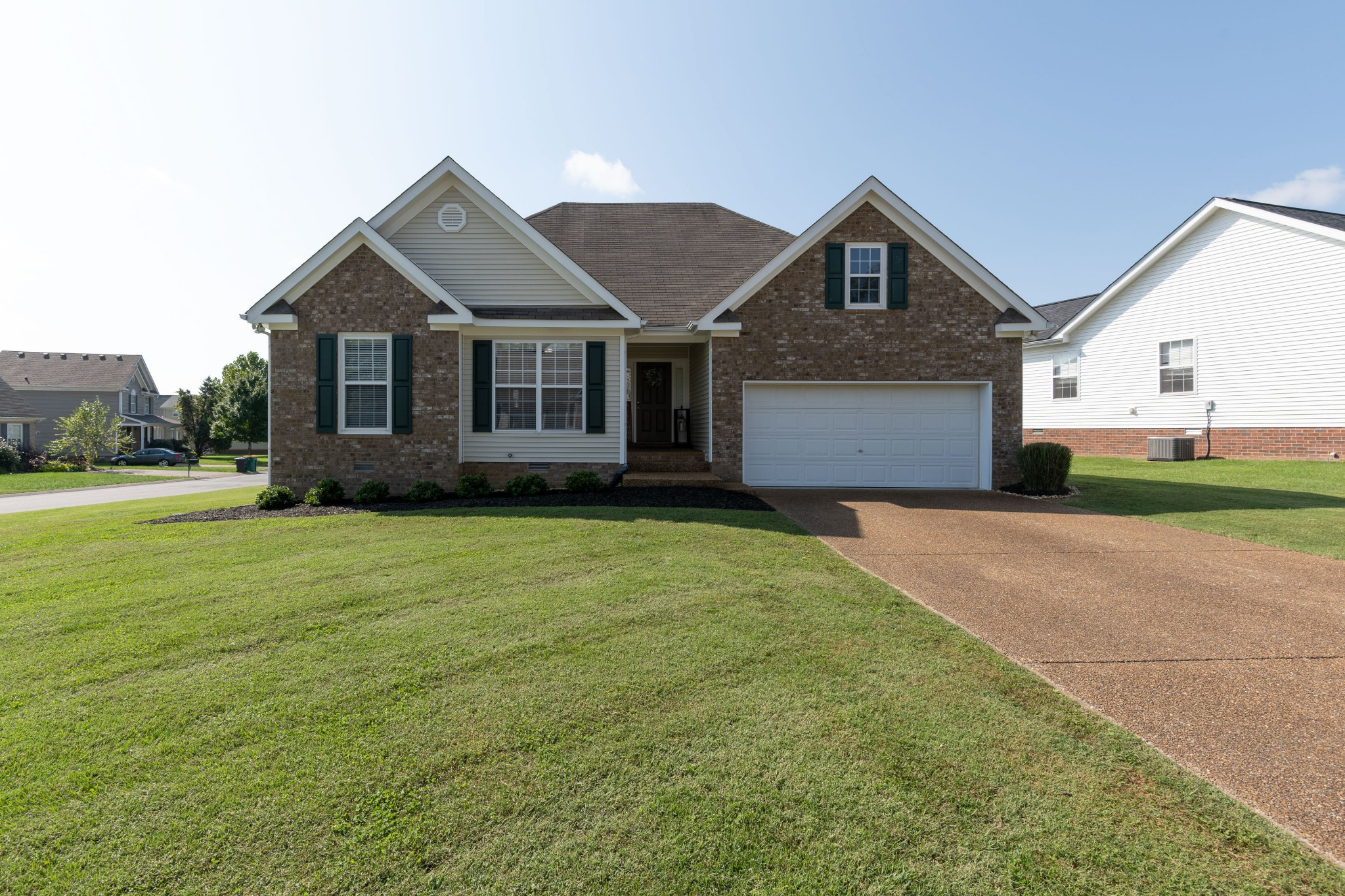 1003 Persimmon Dr Property Photo 1