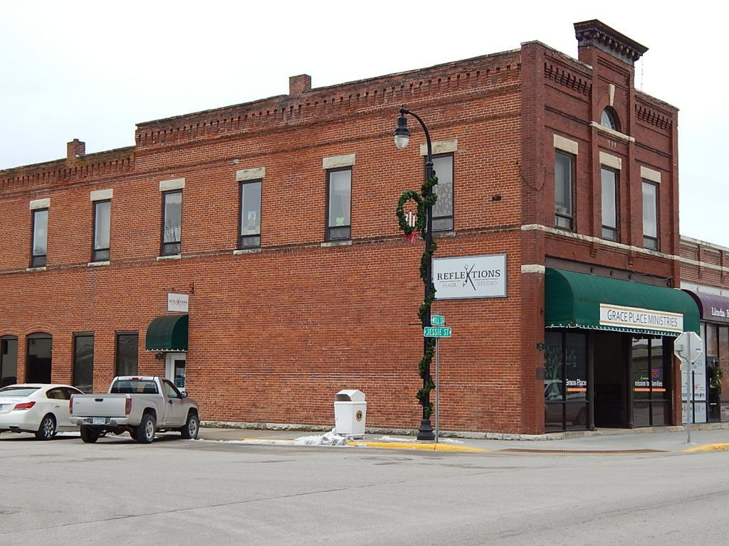 300 Mill Street Property Photo