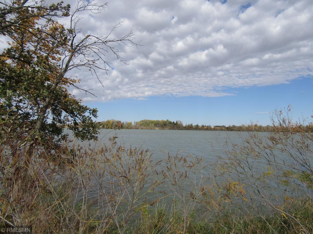 760 W Lake Street Property Photo