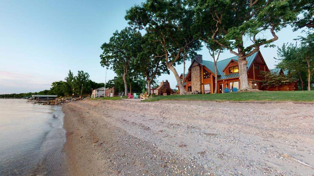 13386 Indian Beach Road Property Photo