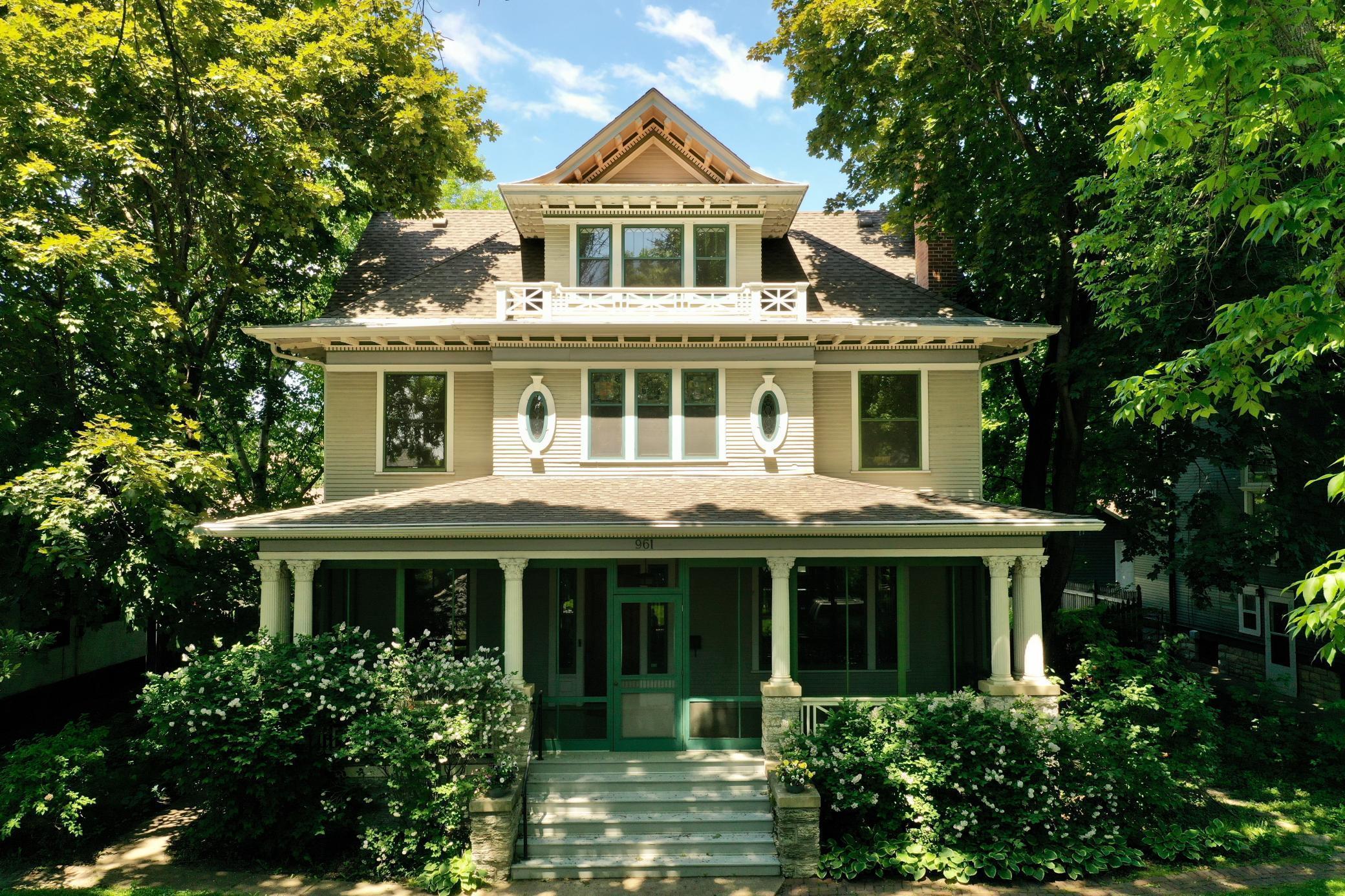 961 Lincoln Avenue Property Photo 1