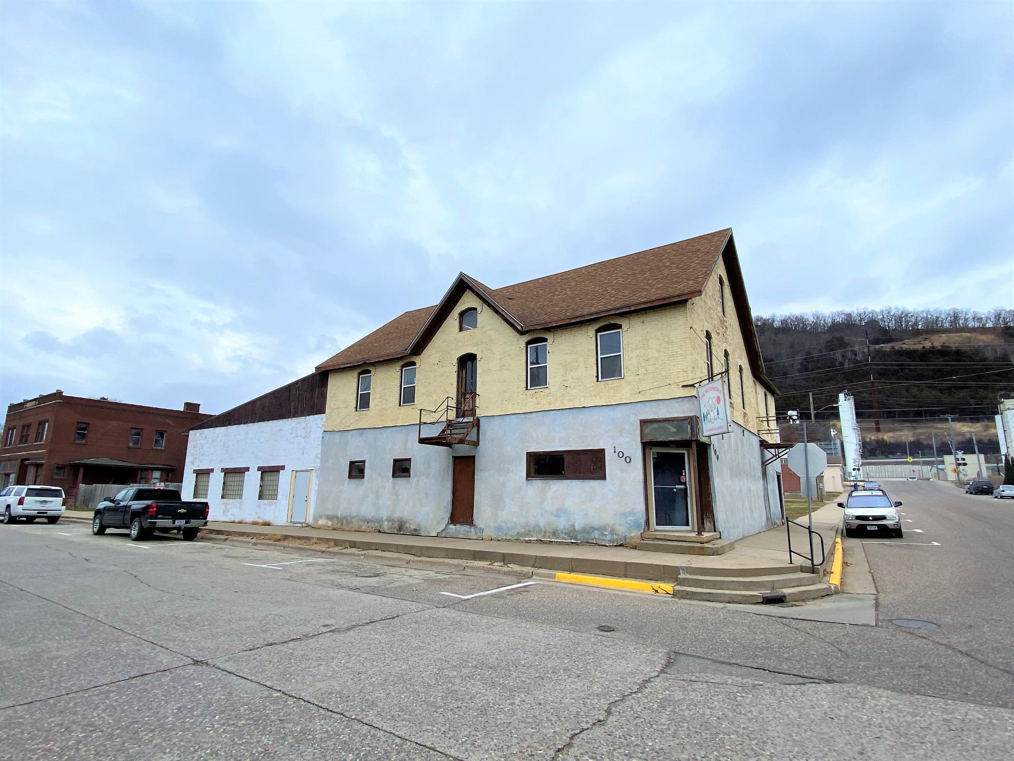 N 100 Main Street Property Photo