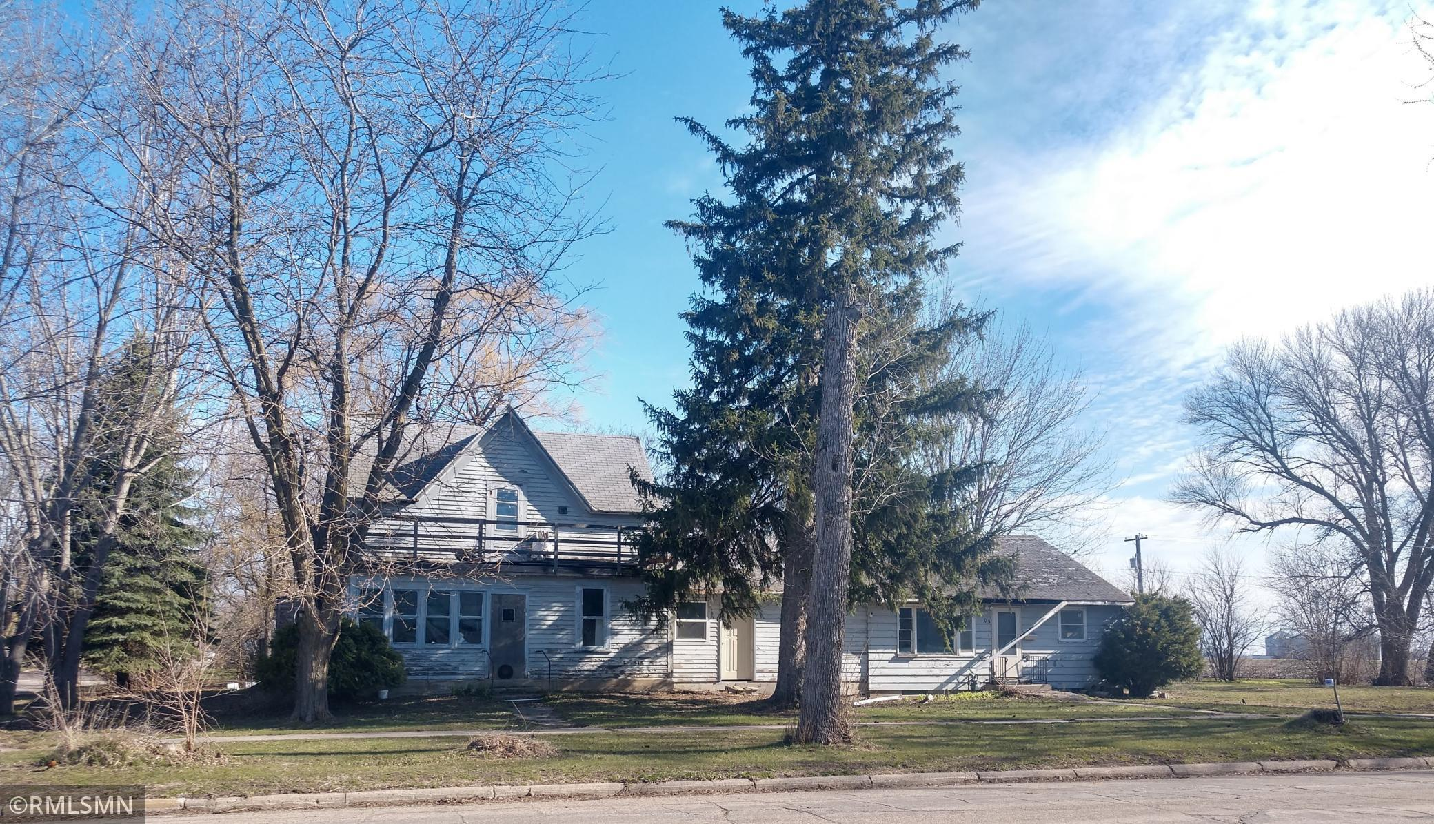 101 Lewis Street E Property Photo