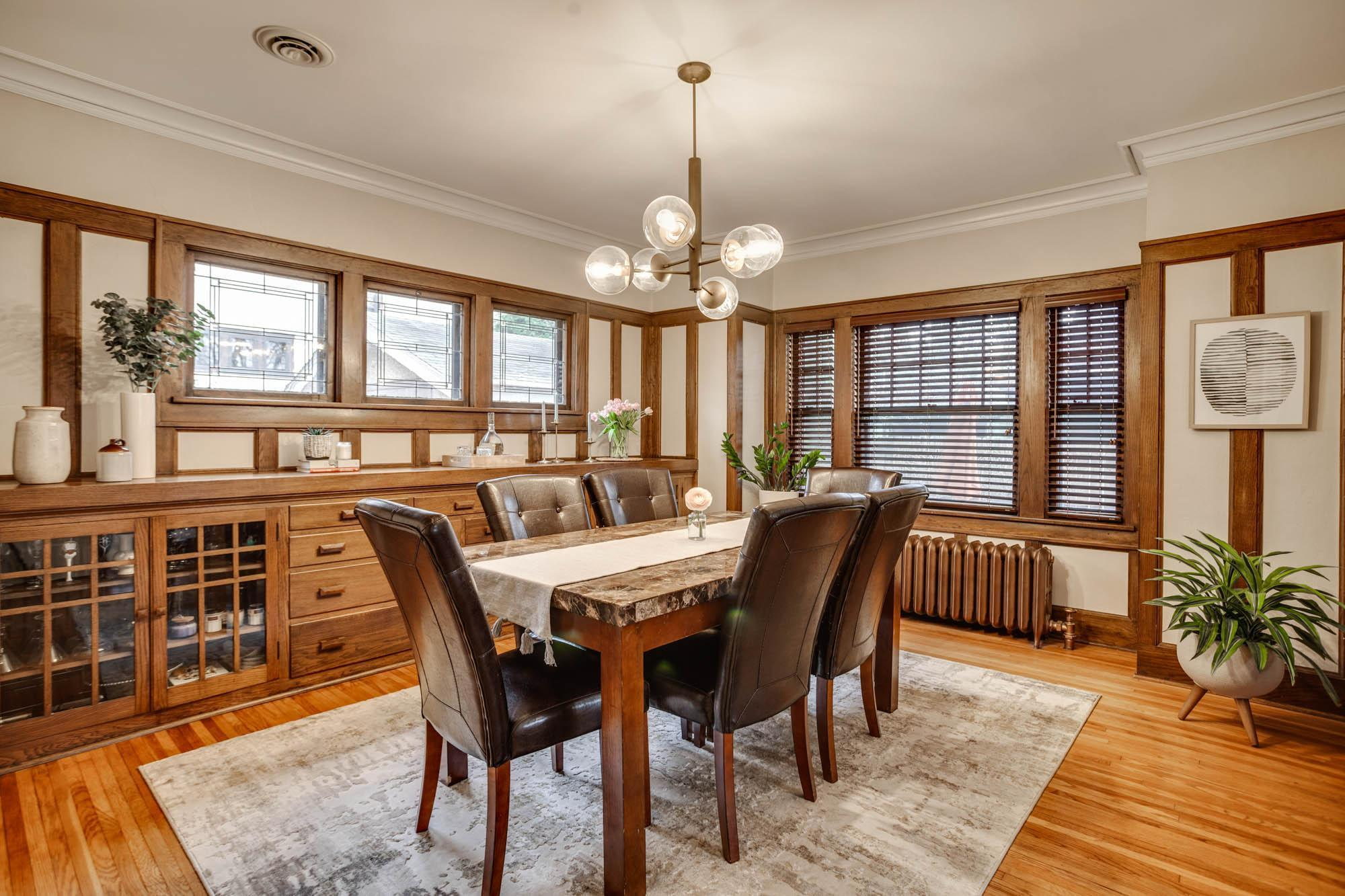 5001 Harriet Avenue Property Photo