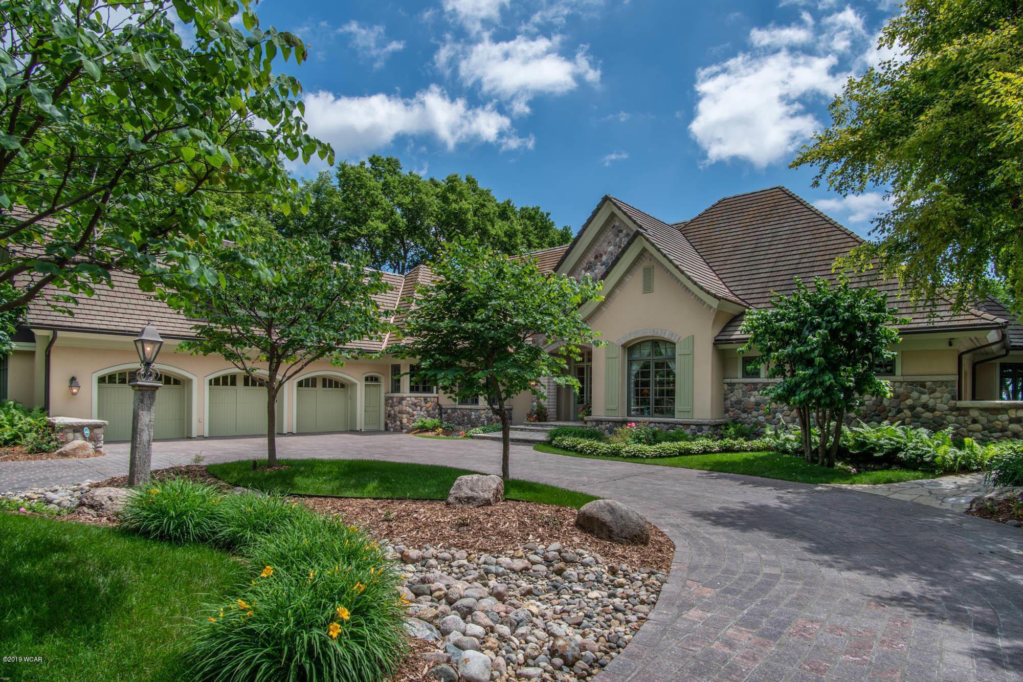 9589 North Shore Drive Property Photo