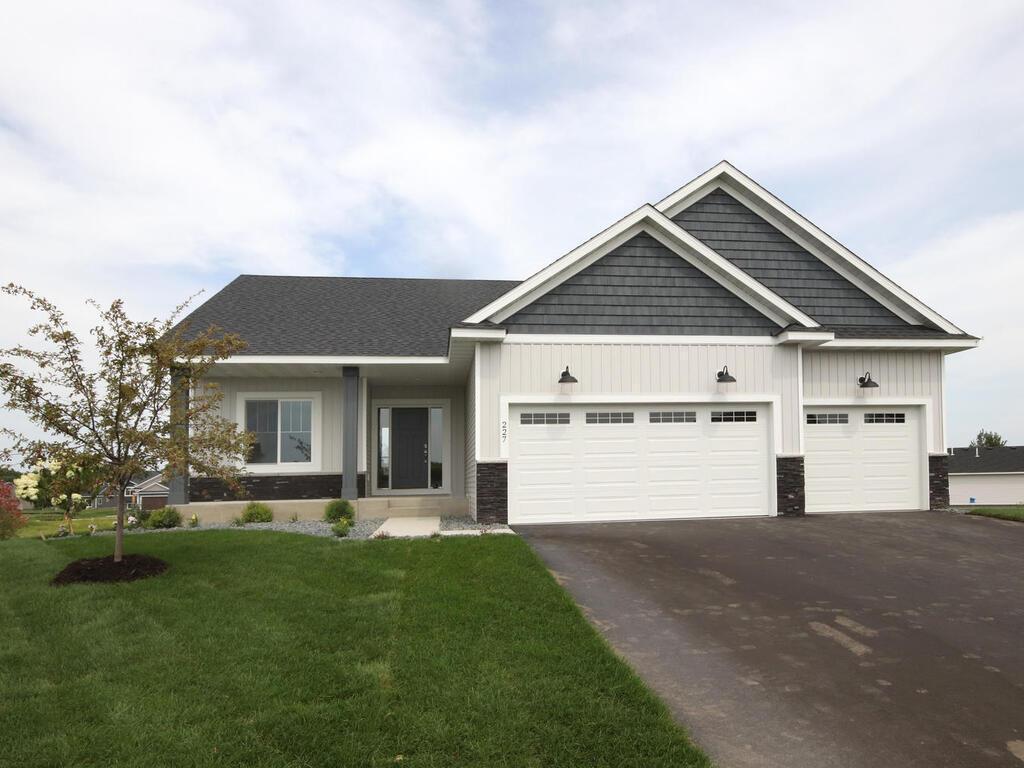 Dundas Real Estate Listings Main Image