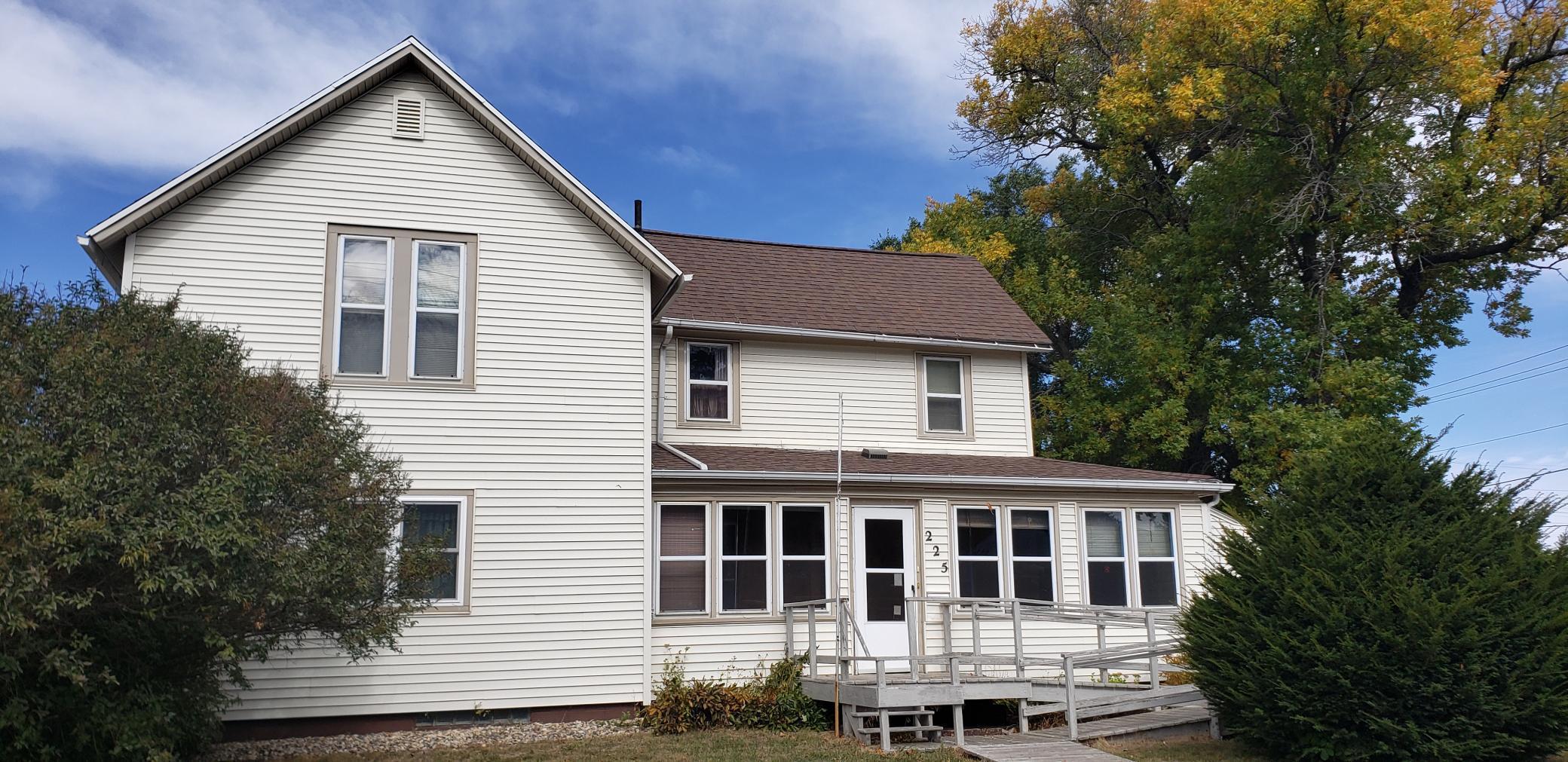 225 2nd Street Property Photo
