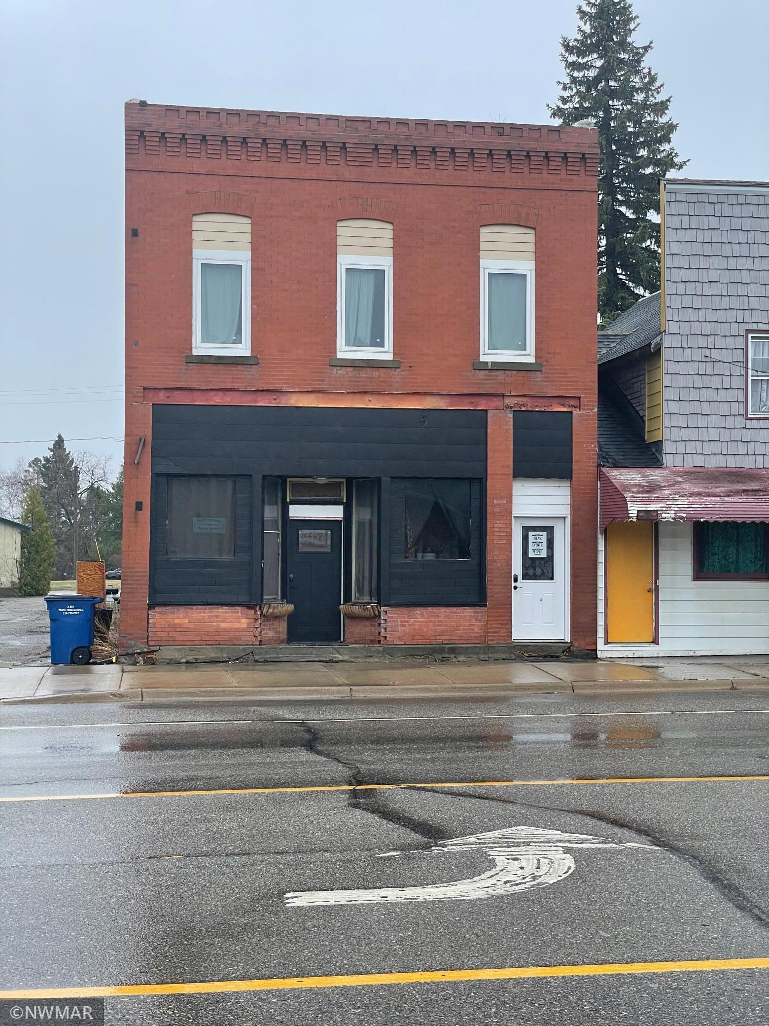 7 Broadway Street Property Photo