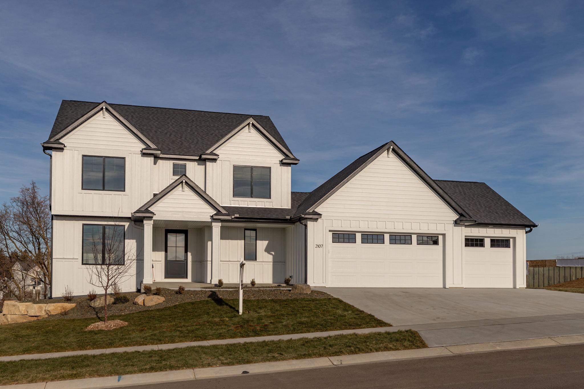 2107 Whitlee Lane Property Photo 1