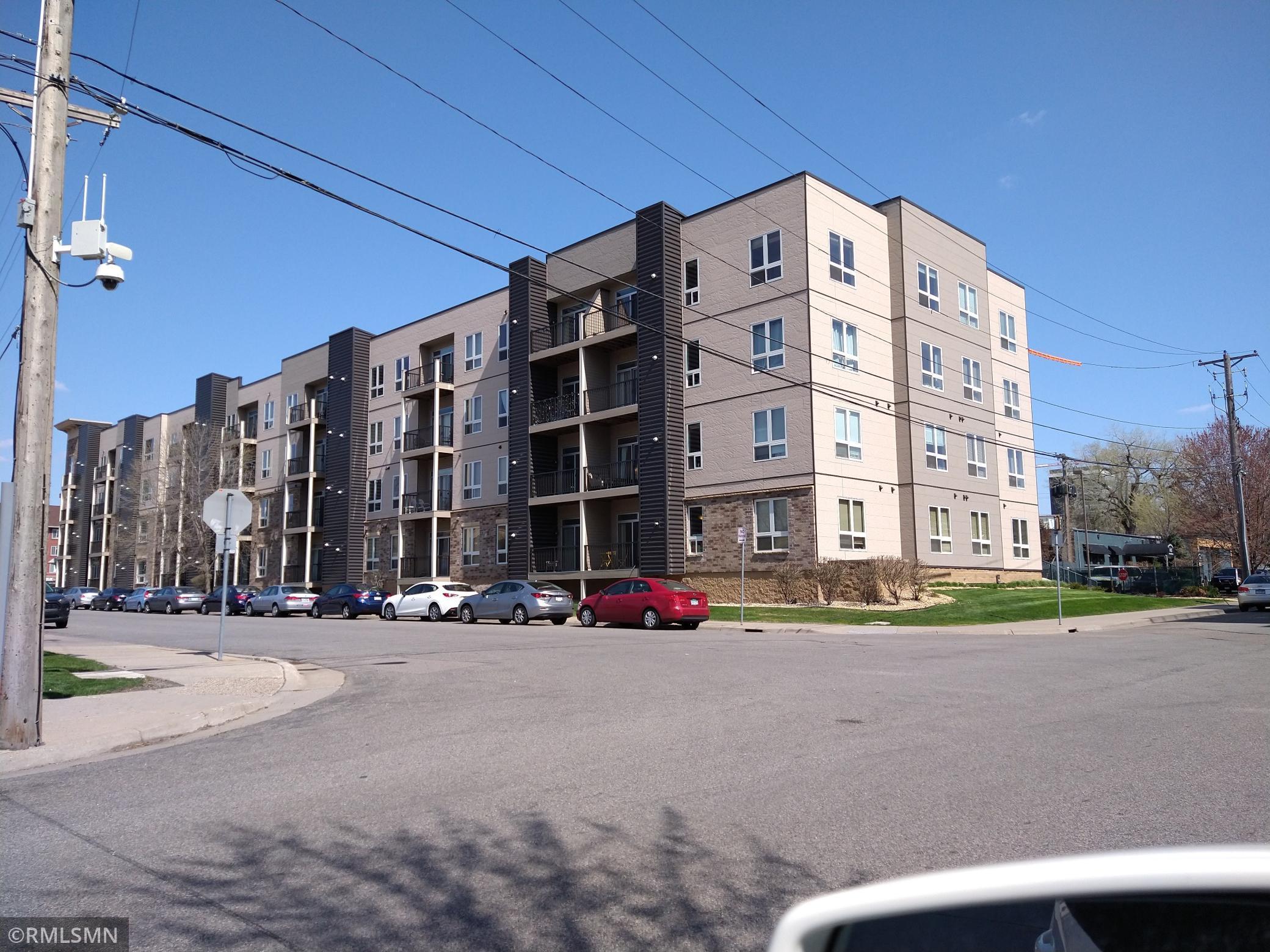 2600 University Avenue Property Photo