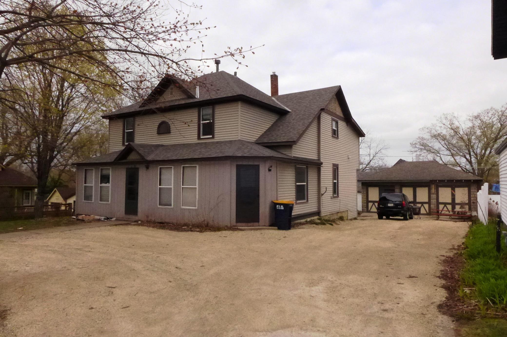 S 170 Chestnut Street Property Photo