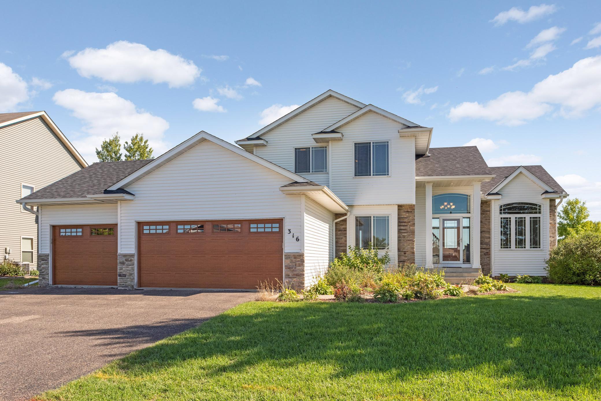 316 Greenway Drive Property Photo