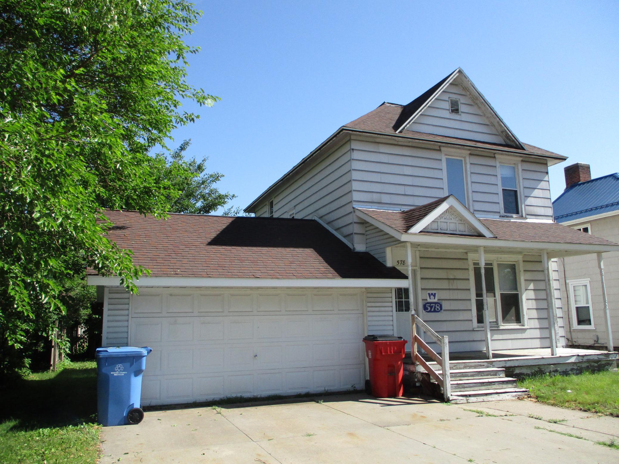 578 W Broadway Street Property Photo 1