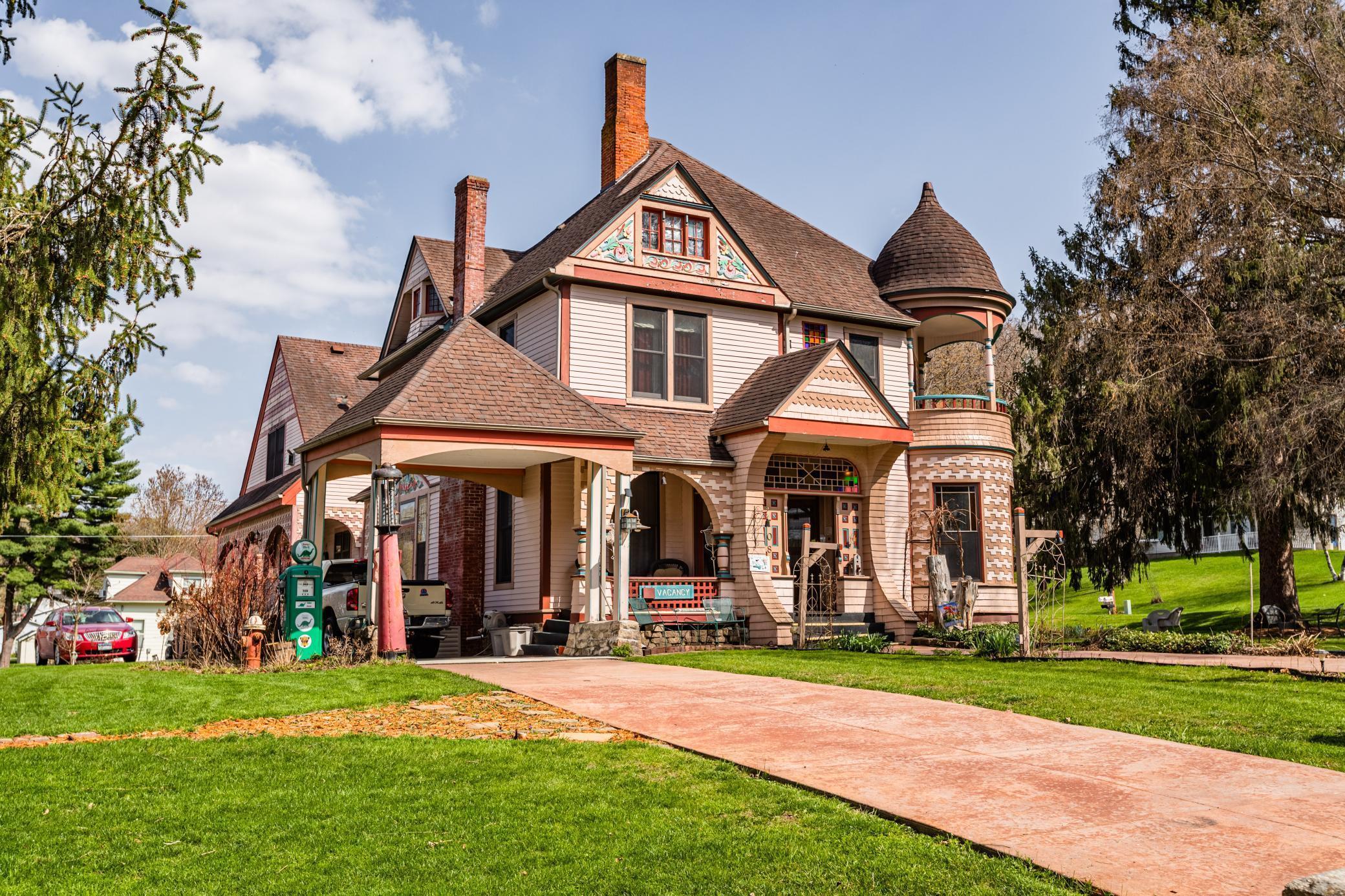 708 Parkway Avenue Property Photo