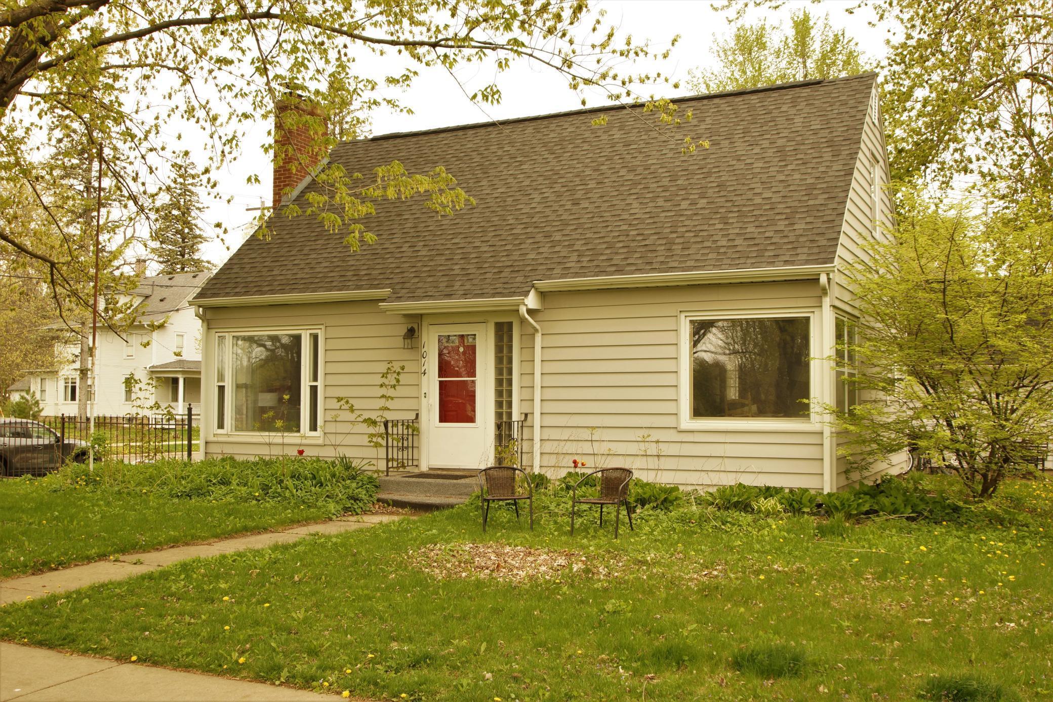 1014 Saint Olaf Avenue Property Photo 1