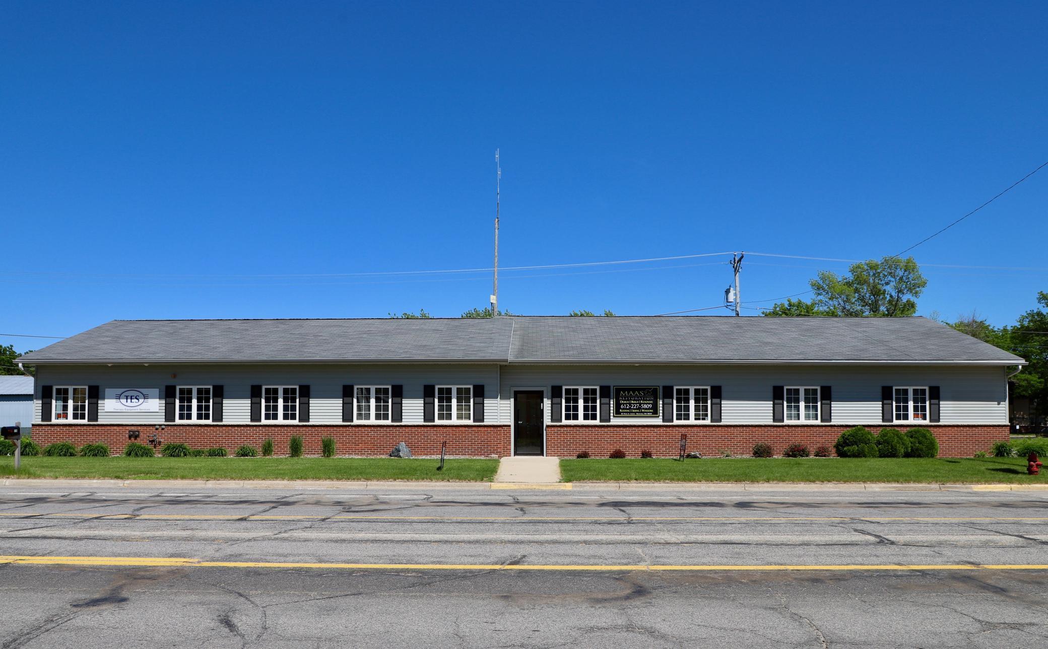 S 118 Main Street Property Photo