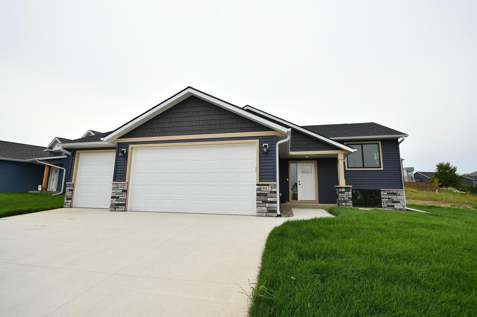 842 Towne Drive Property Photo