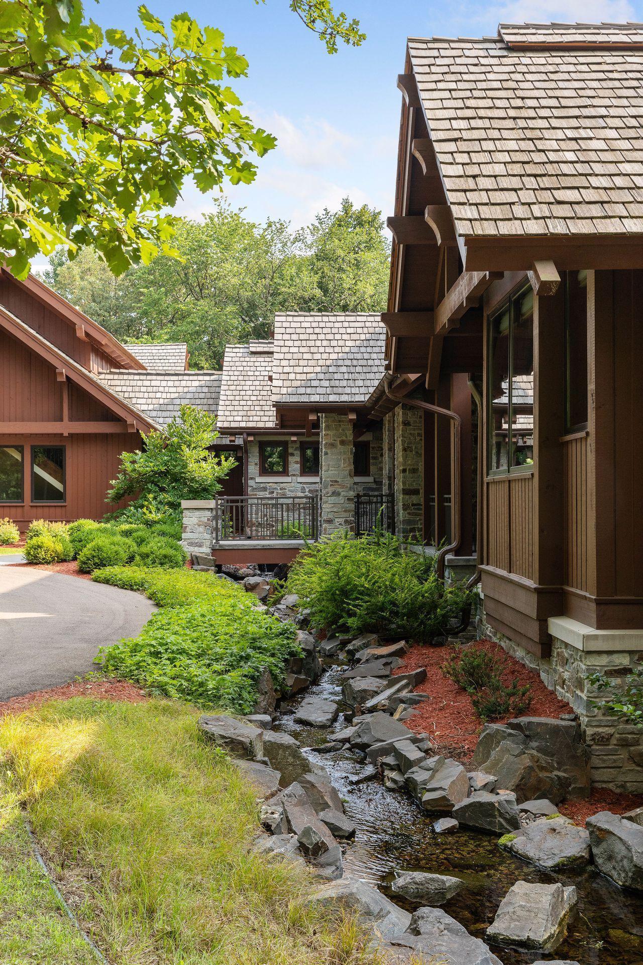 2566 Delaware Avenue Property Photo 30