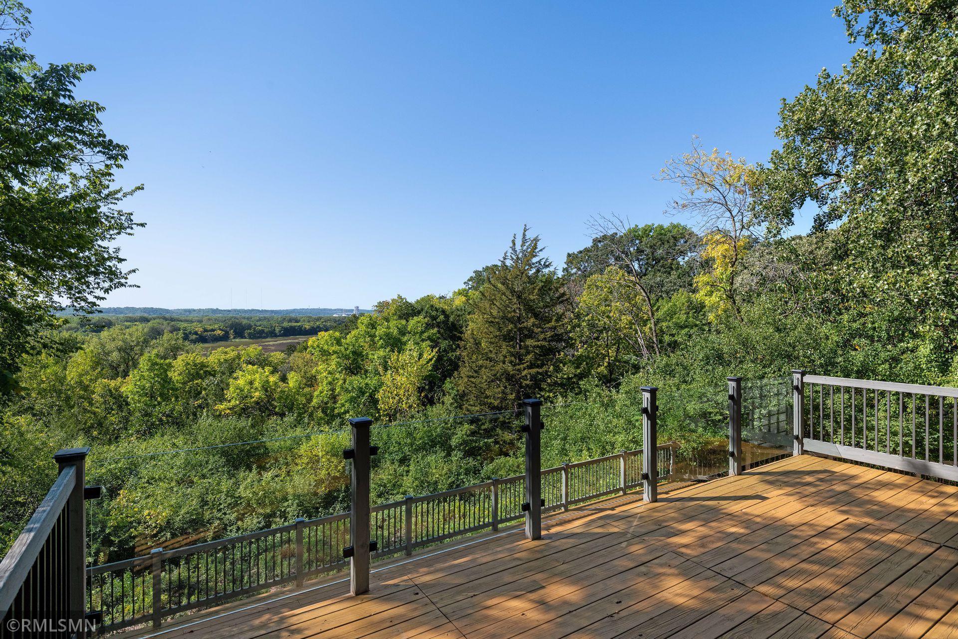4001 Overlook Drive Property Photo