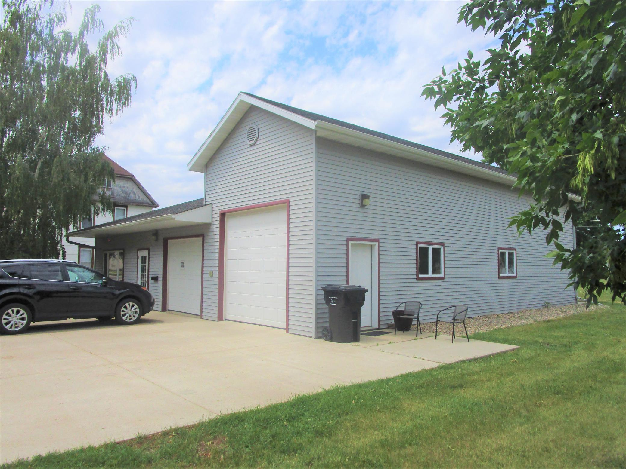 Traverse County Real Estate Listings Main Image
