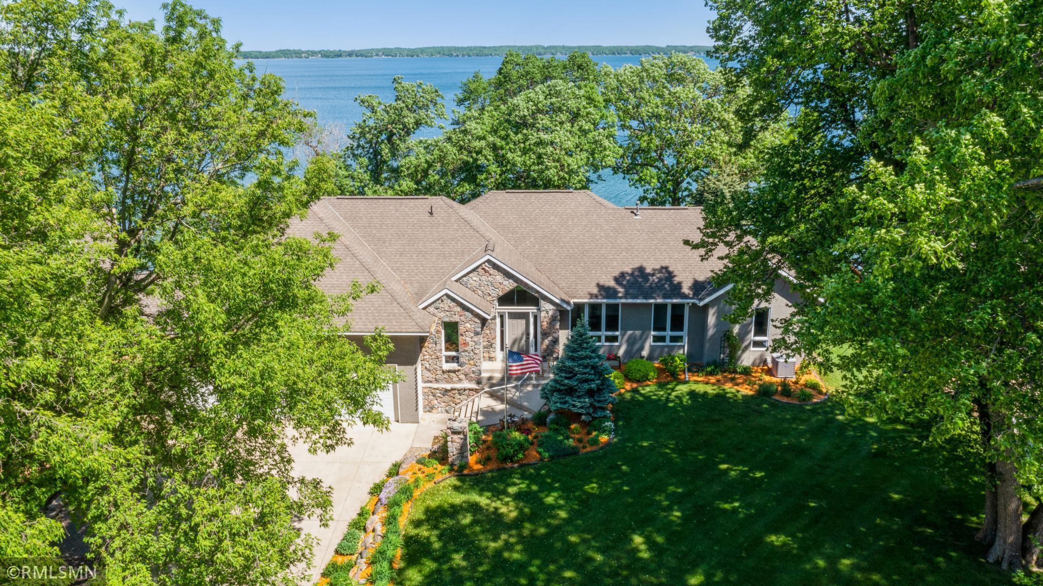 303 Lake Avenue Property Photo