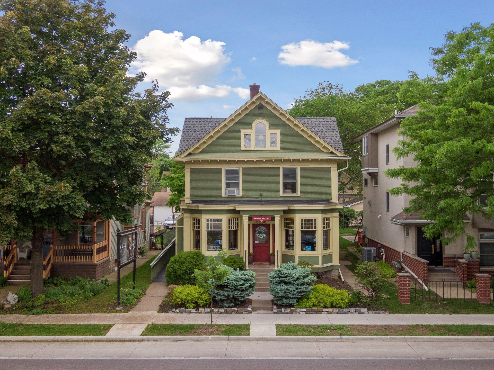 3208 Hennepin Avenue Property Photo