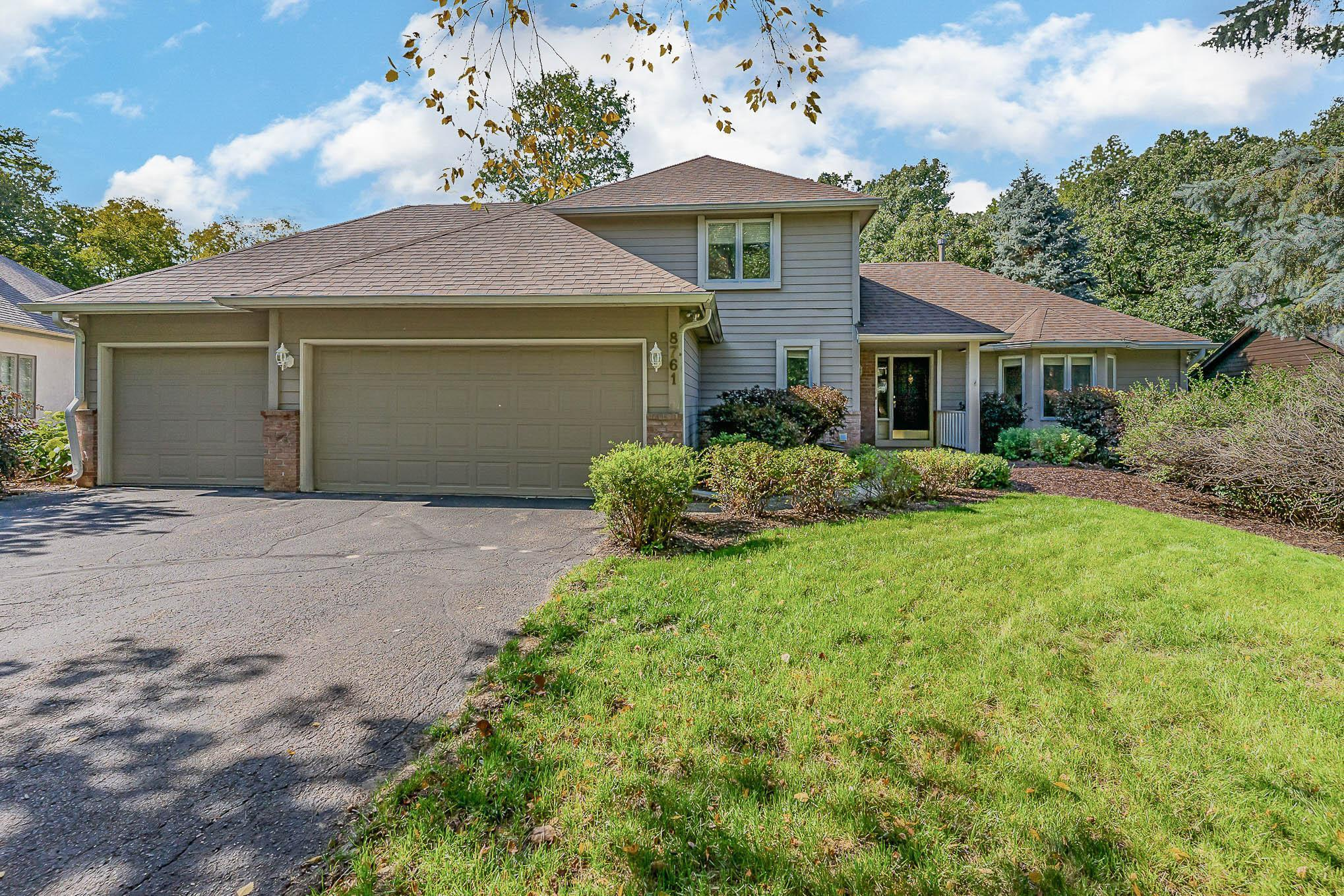 8761 Highwood Way Property Photo