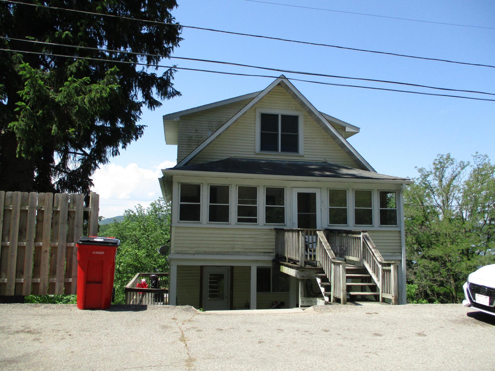 217 S Hill Street Property Photo