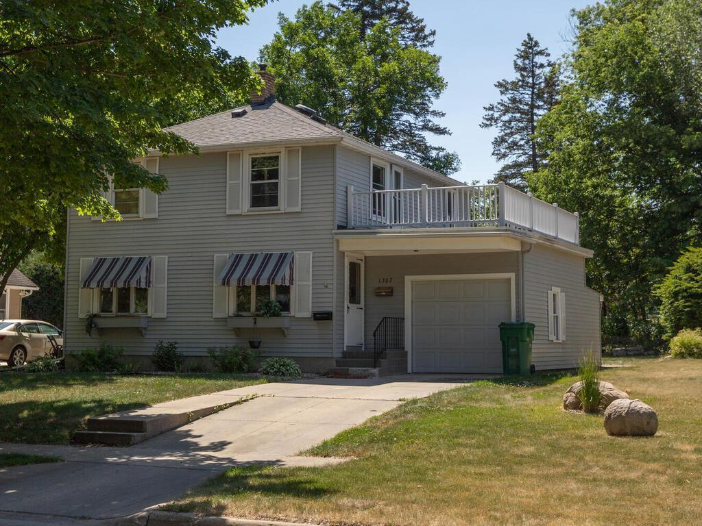 1307 2nd Street Property Photo