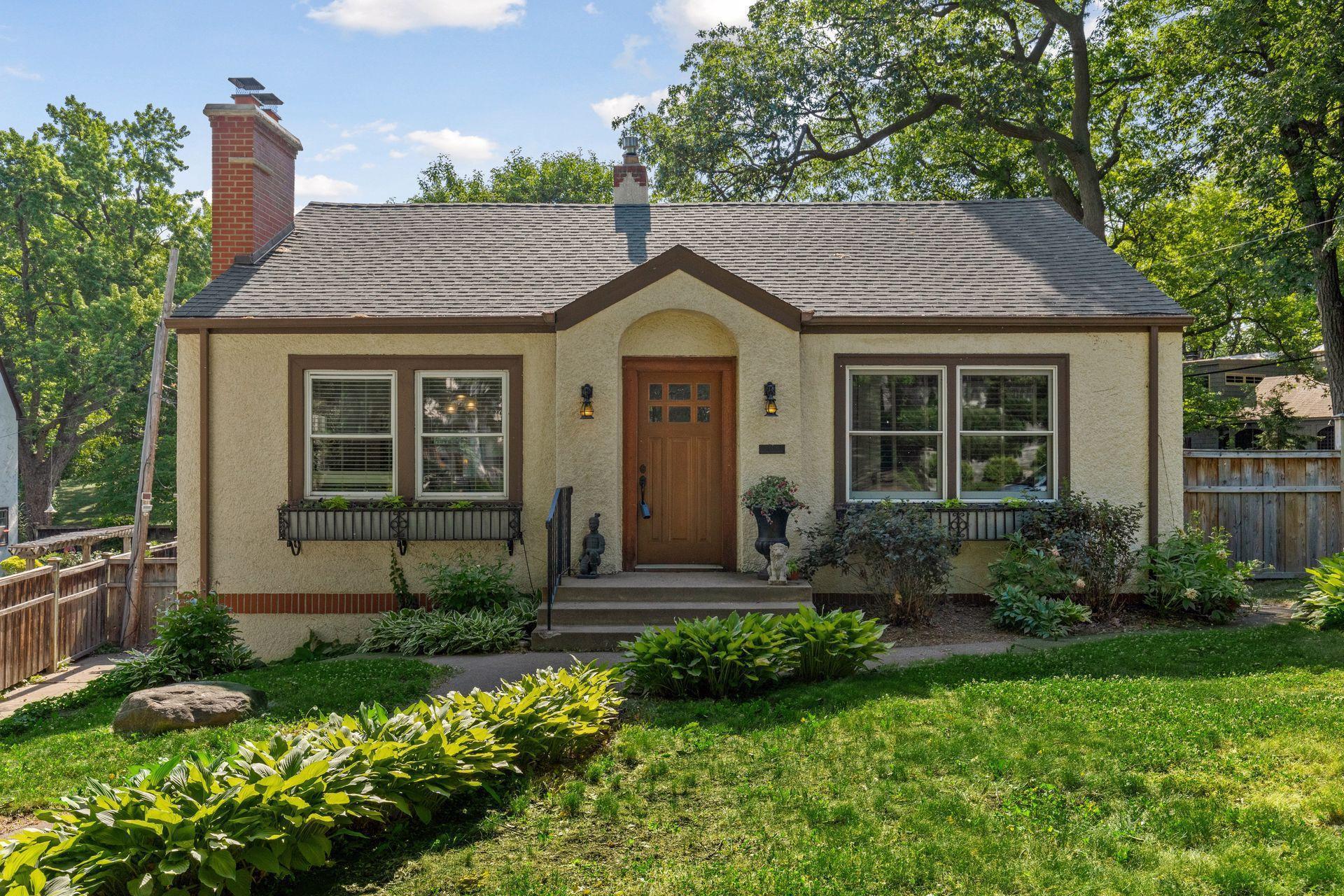 1105 Washburn Avenue Property Photo