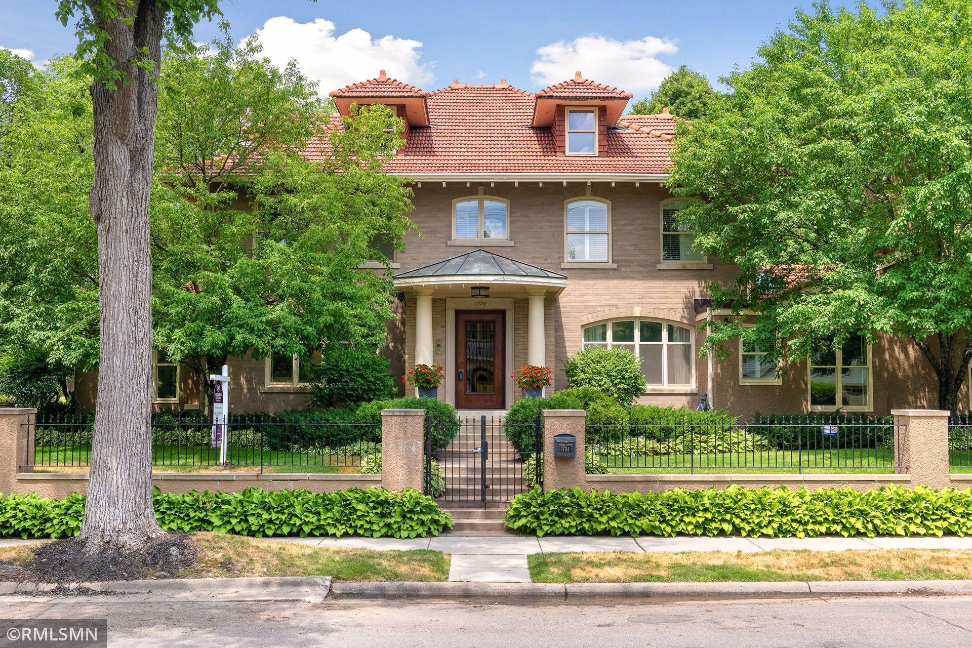 1724 Summit Avenue Property Photo 1