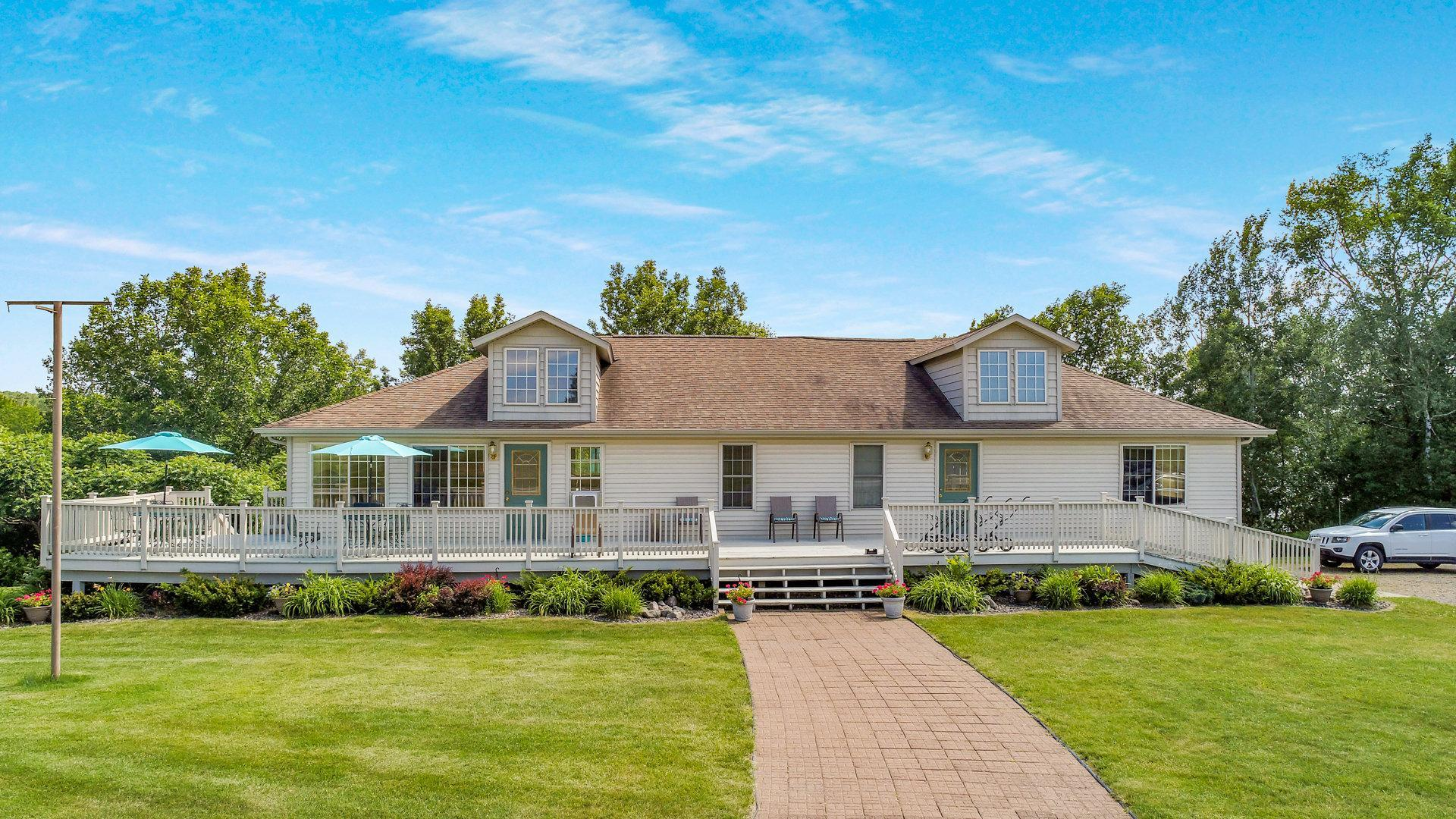 6841 Golf Course Road Property Photo