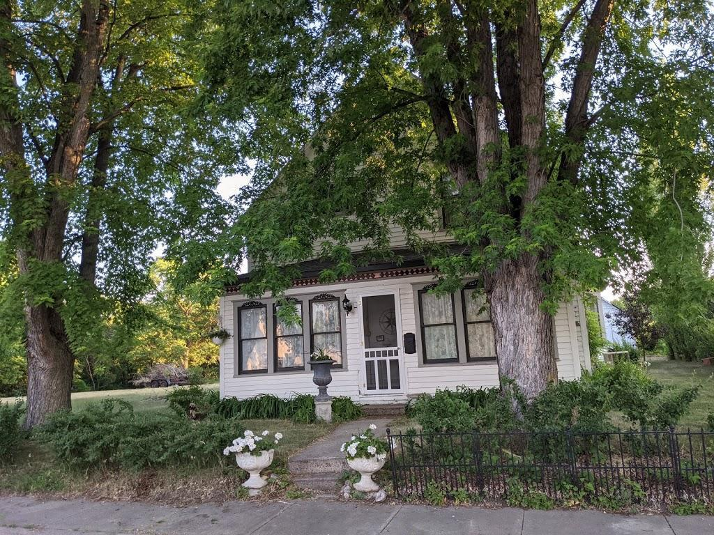 241 W Thielke Avenue Property Photo